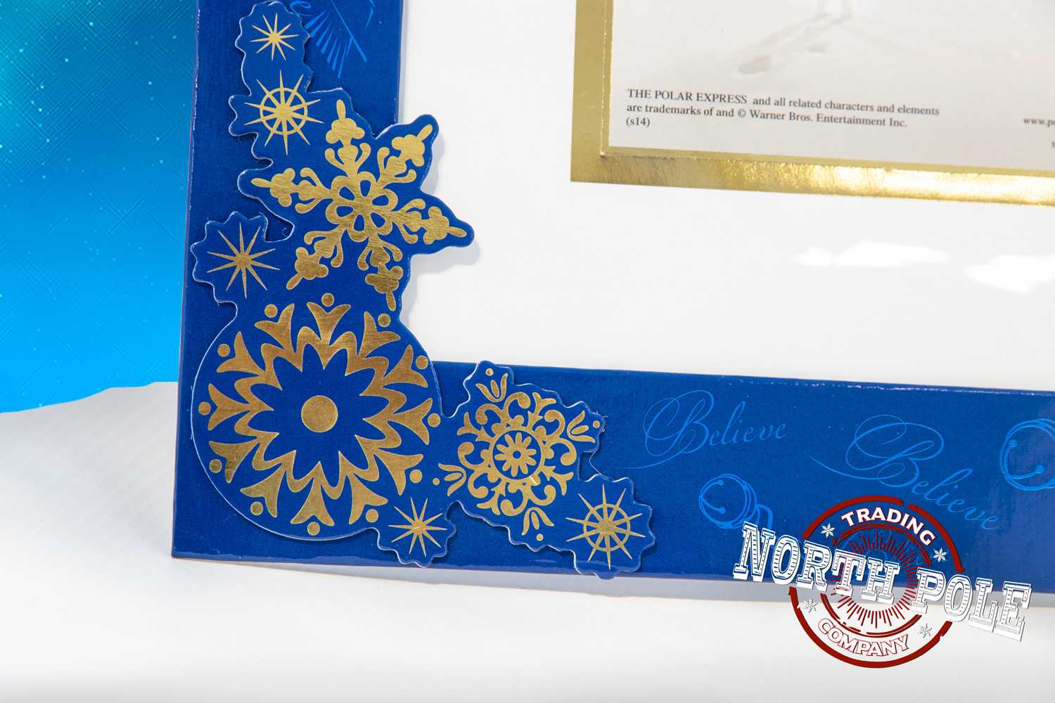 THE POLAR EXPRESS™ Magnetic Easel Frame 8 X 10