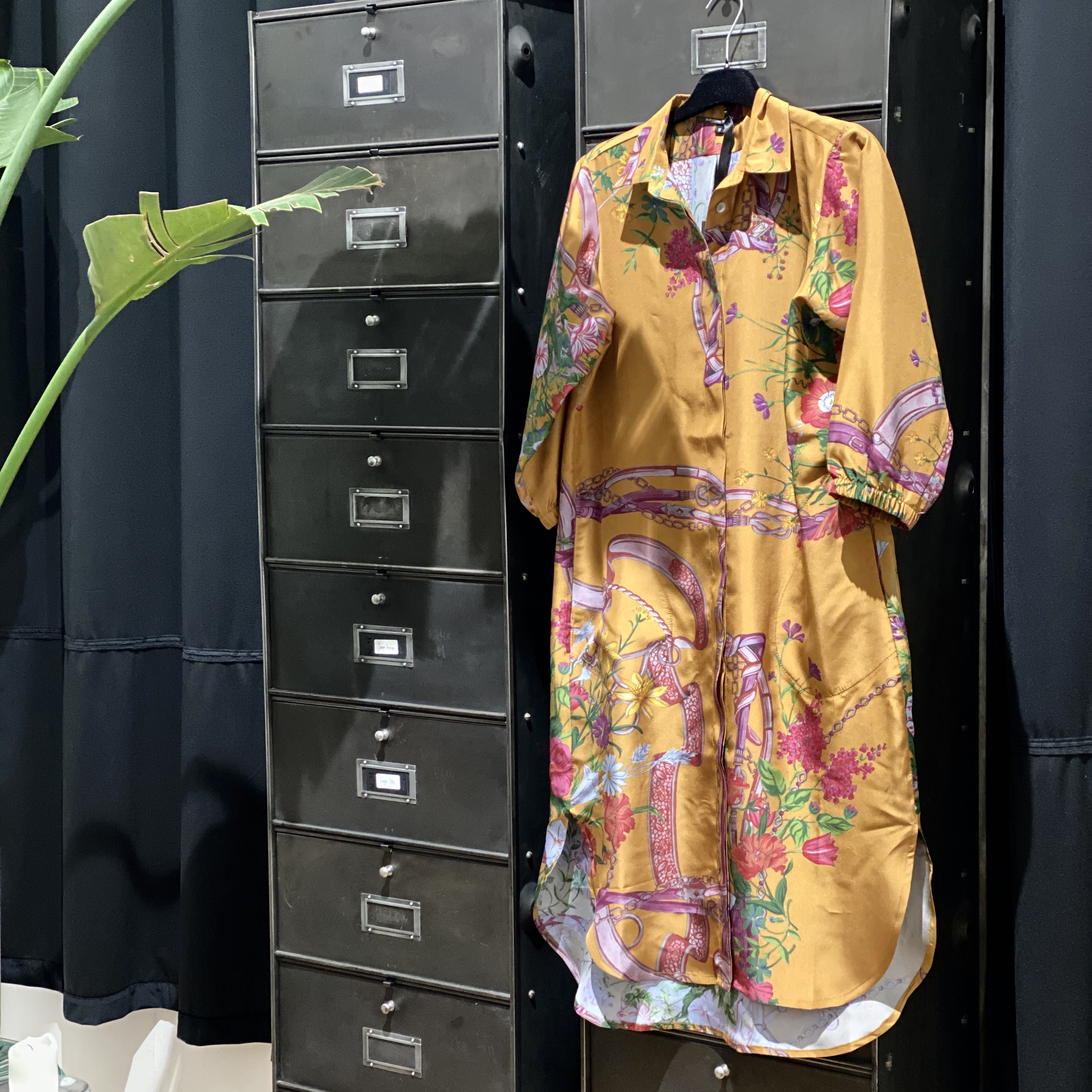 Vera siden klänning