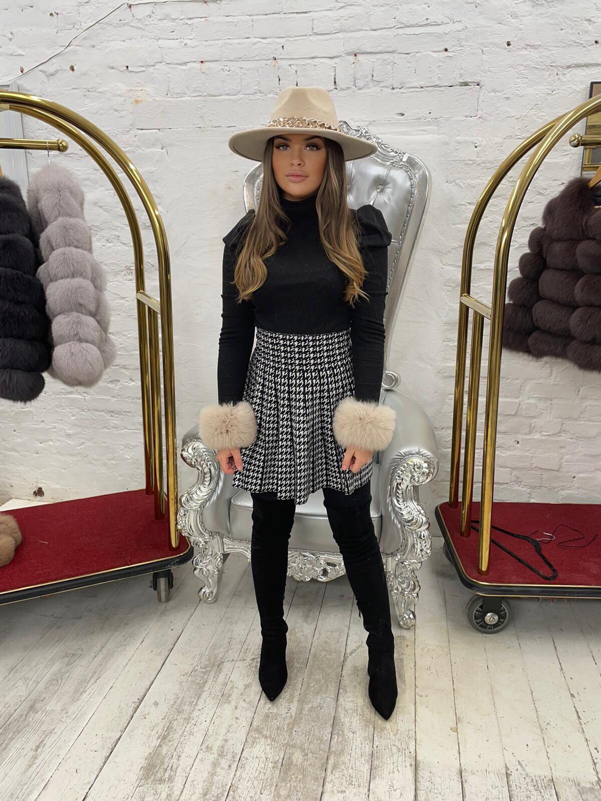 Laura Jane Paris Luxury Slap Fox Fur cuff in Royal Mink