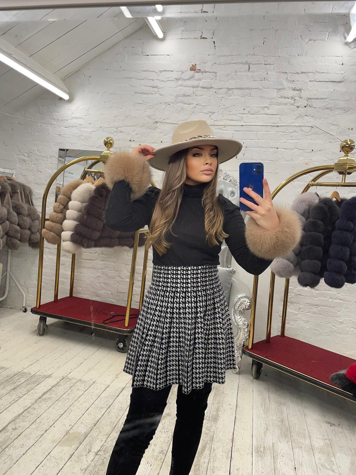 Laura Jane Paris Luxury Slap Fox Fur cuff in Royal Camel