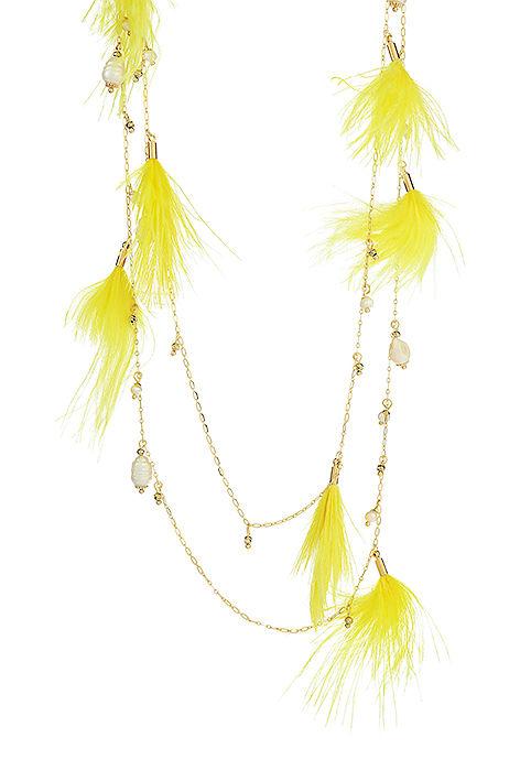 Halskette mit gelben Federn
