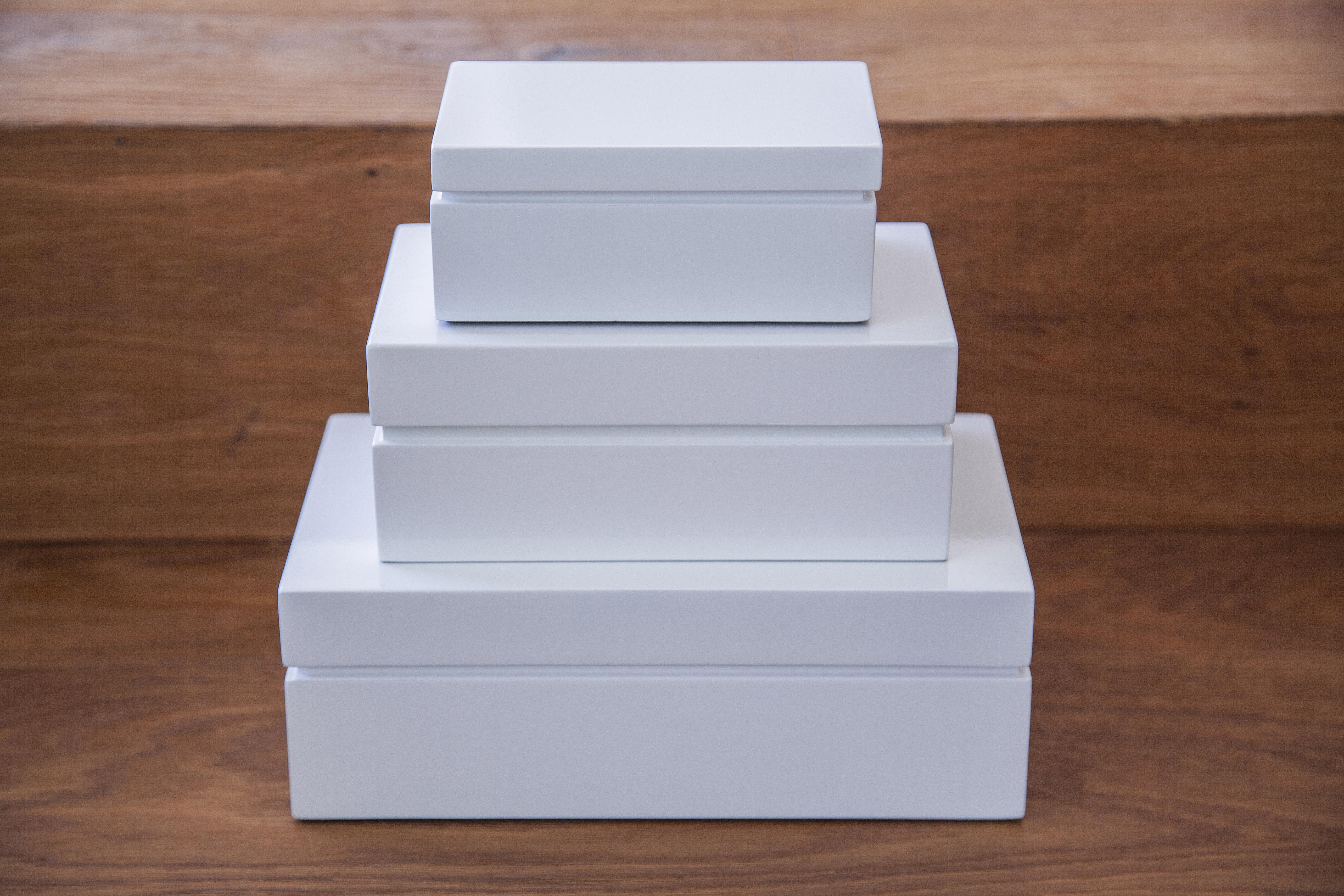 Lackboxen, verschiedene Farben und Größen