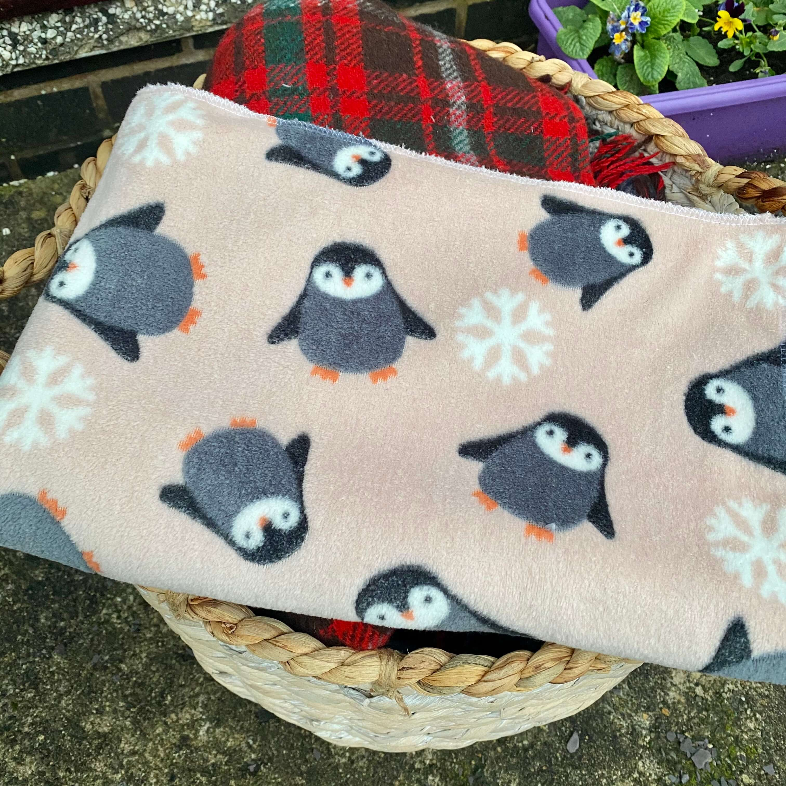 Penguin & Snowflake Design Fleece Blanket