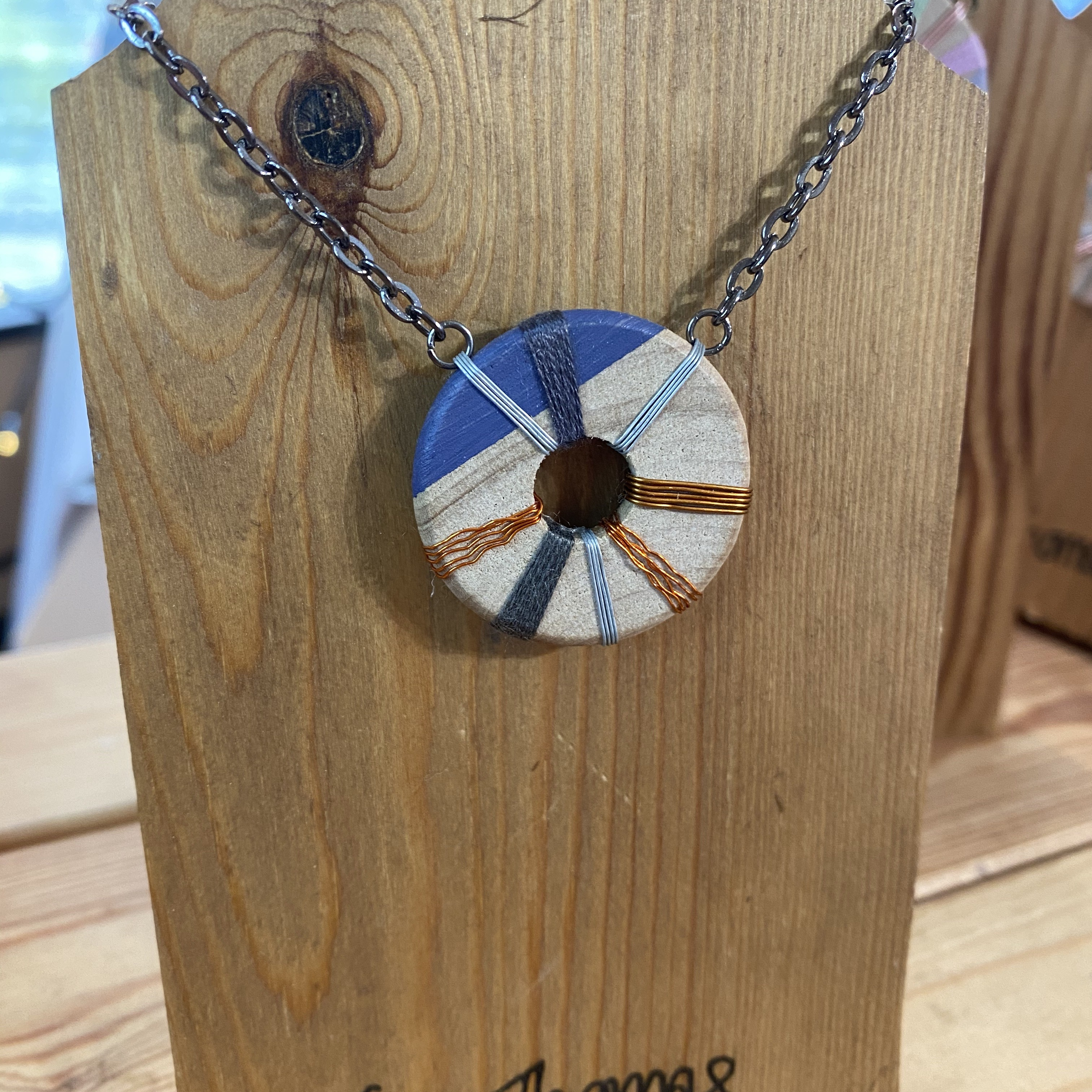 Navy Wooden Necklace - TGT
