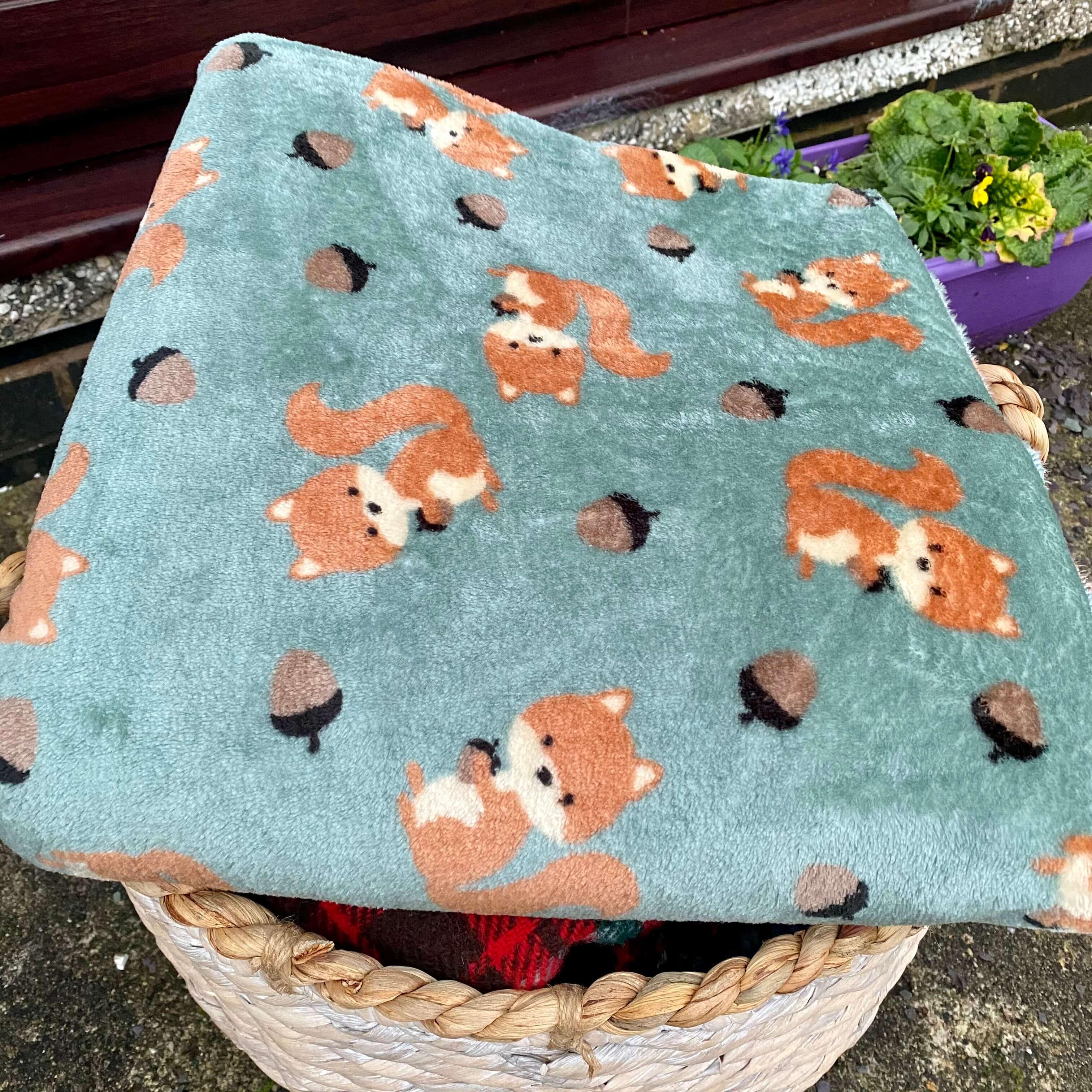 Squirrel & Leaf Design Soft Fleece Blanket