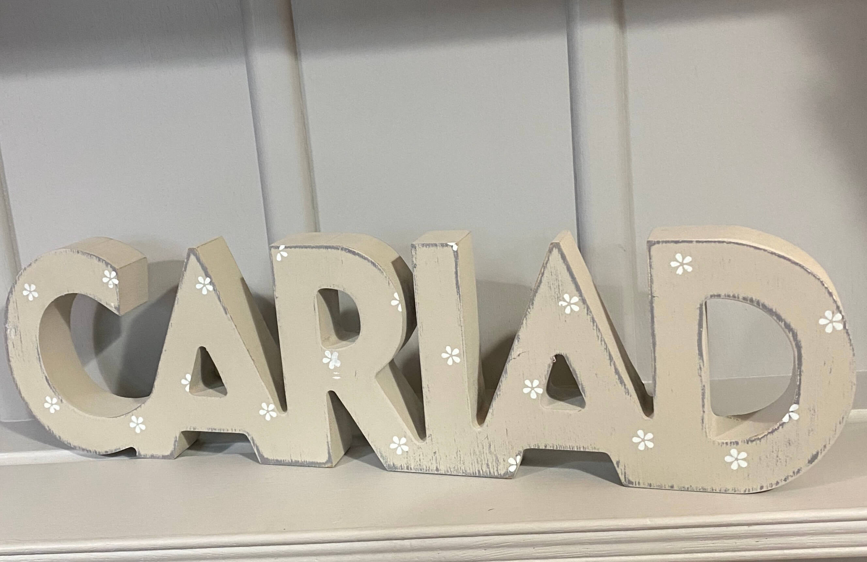 Arwydd Cariad Pren (Love)