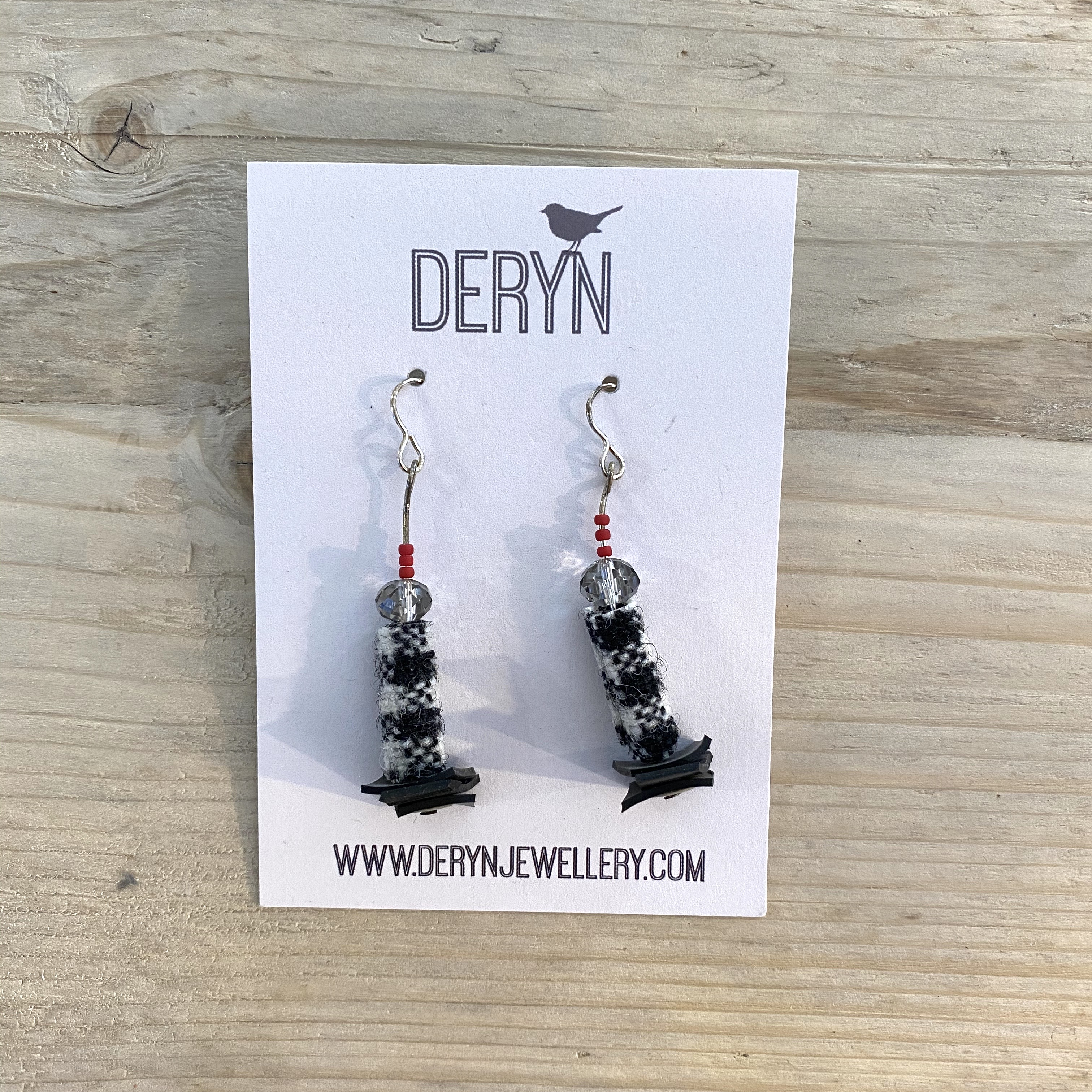 Drop Earring Black - D6