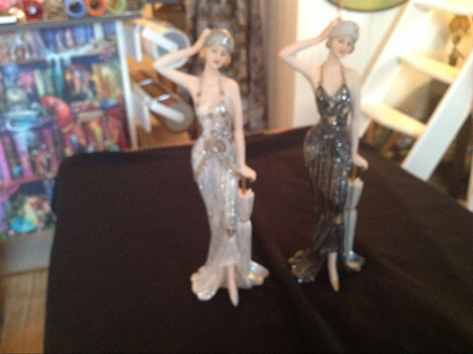 """Figurin - Sarah stående - OBS! Skickas ej - Se vidare """"Hämtas i butik"""" i huvudmenyn"""