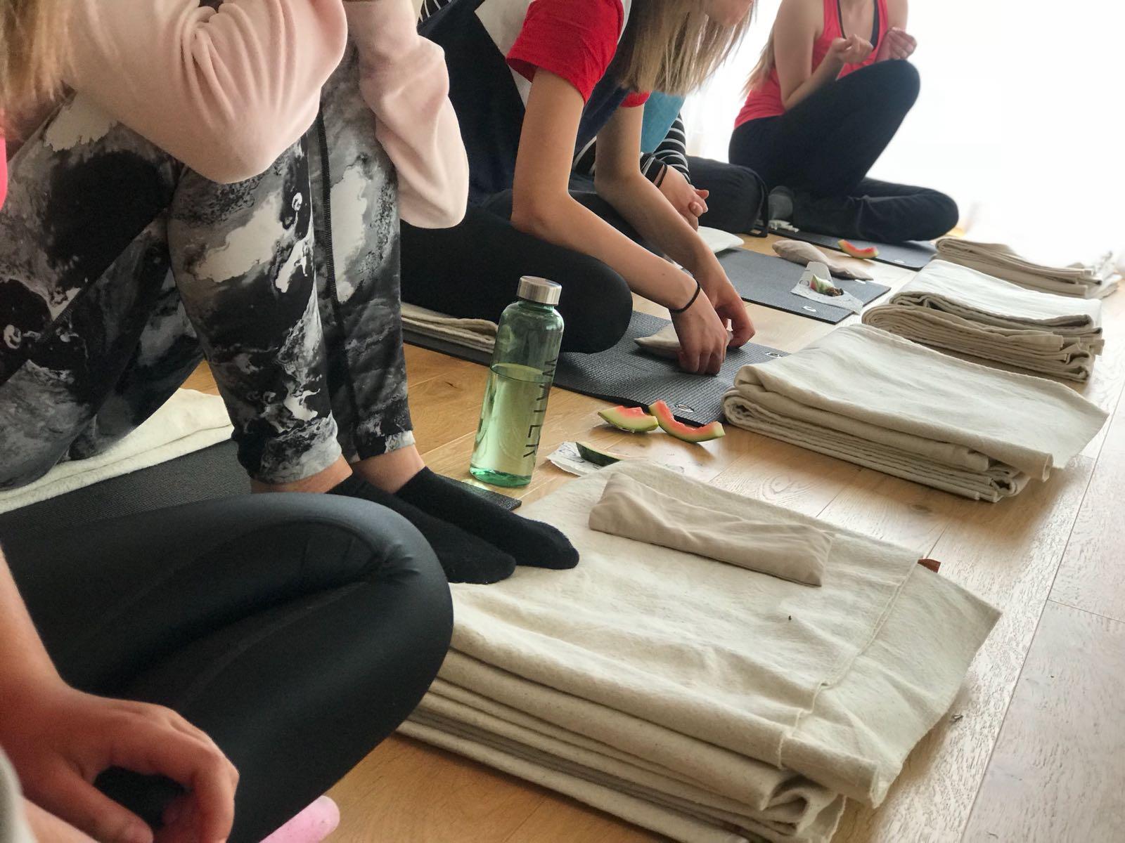 Nova - yogavecka för tjejer 13-16 år