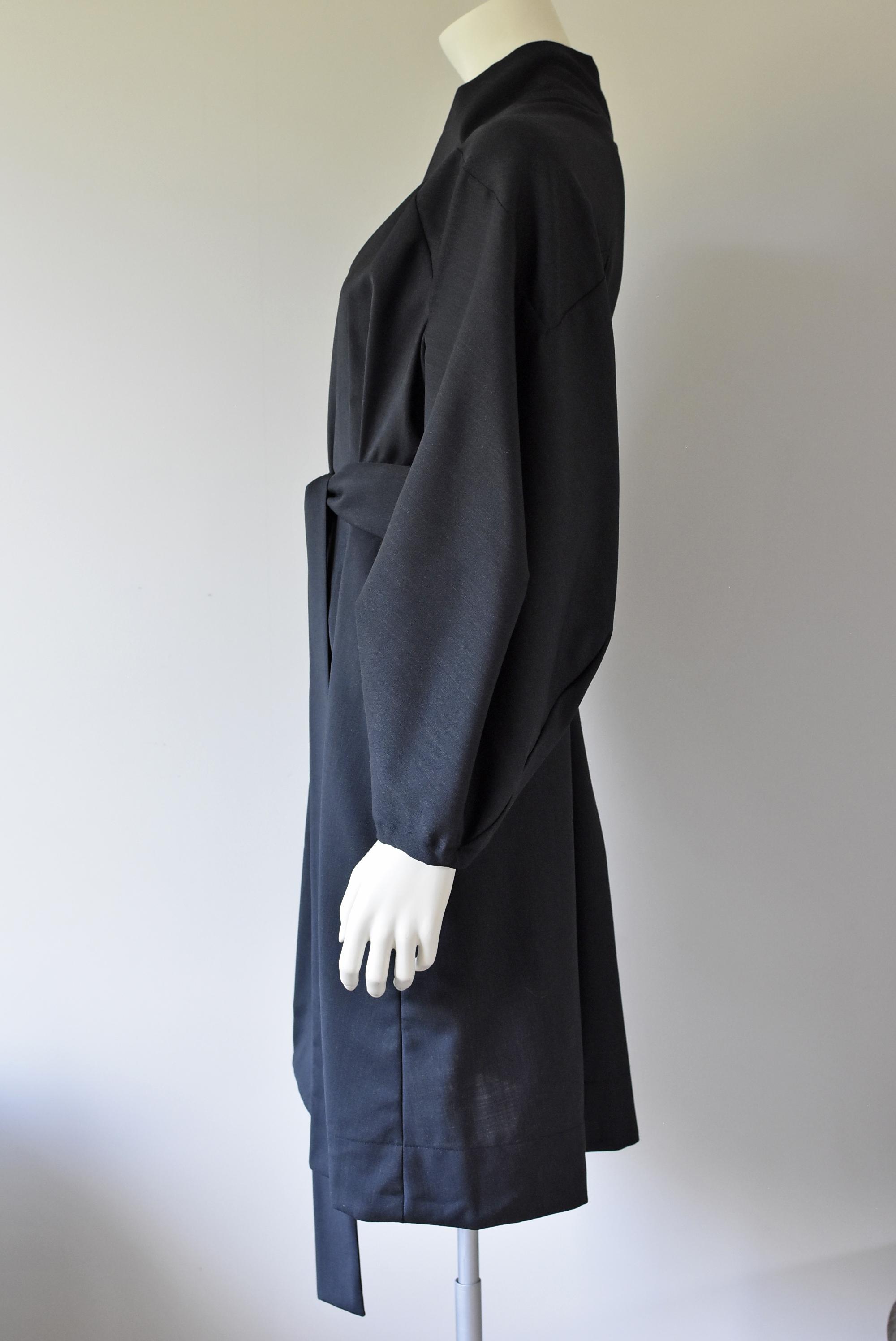 13 - BALOON-ARM-DRESS-COAT