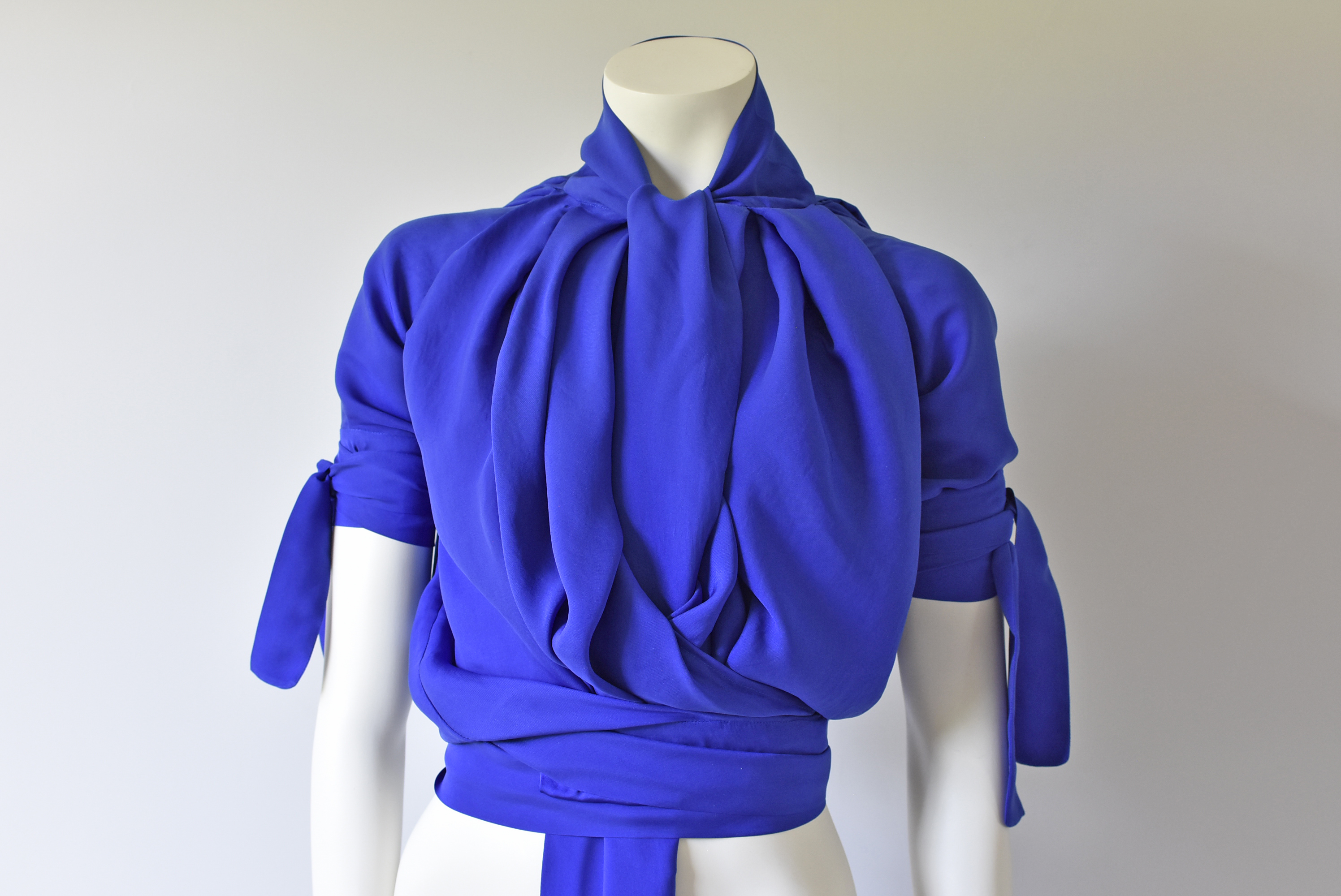 11 - TIED-UP-BLOUSE