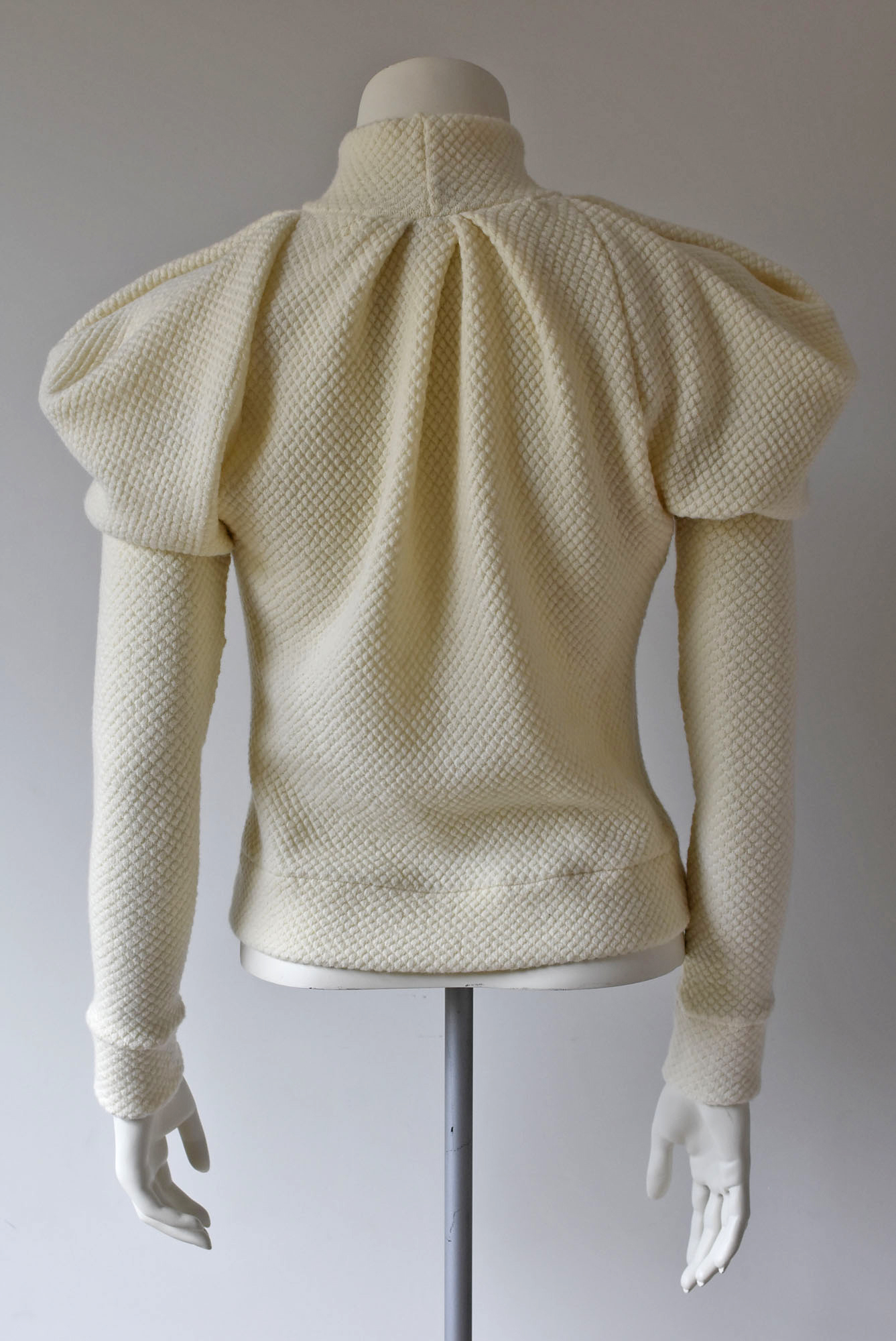 07 - MUSCLE-JUMPER turtle-neck