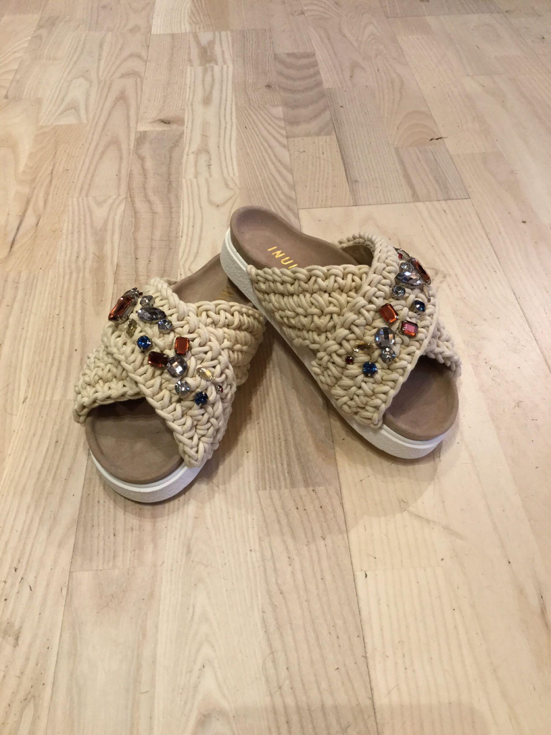 Inuikii Stone slippers