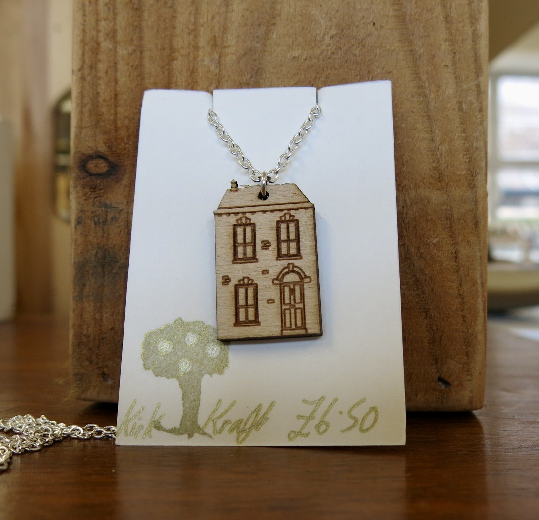 WOODEN HOUSE NECKLACE