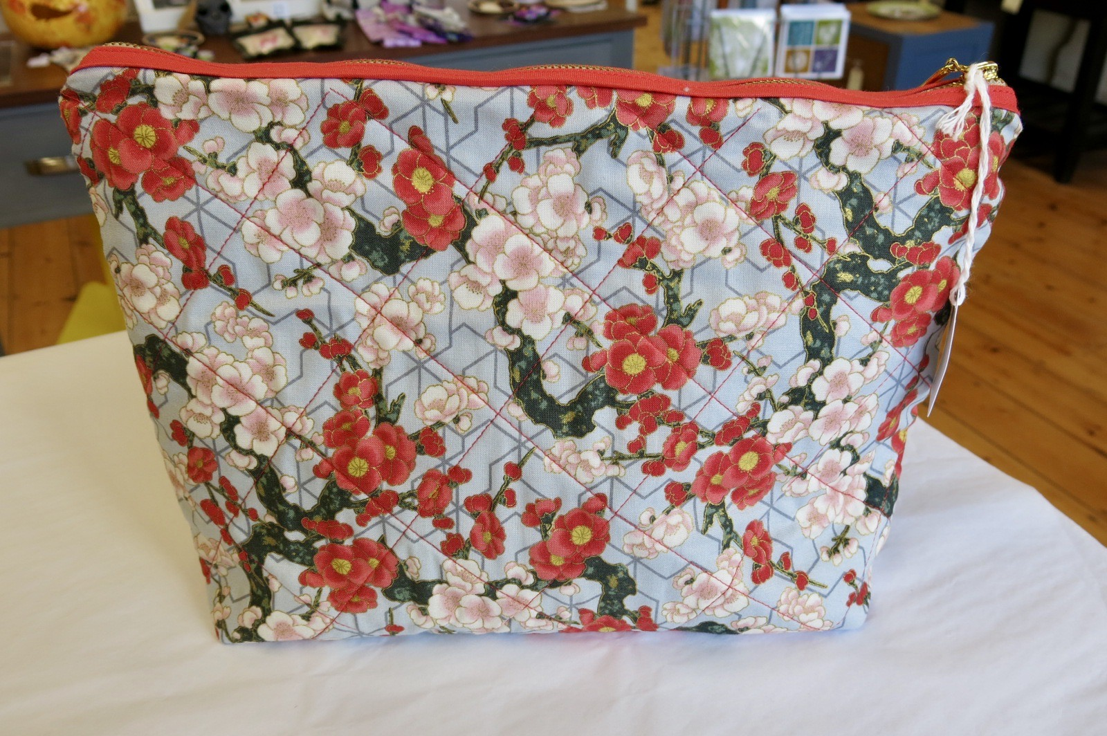 BLOSSOM MAKE UP BAG