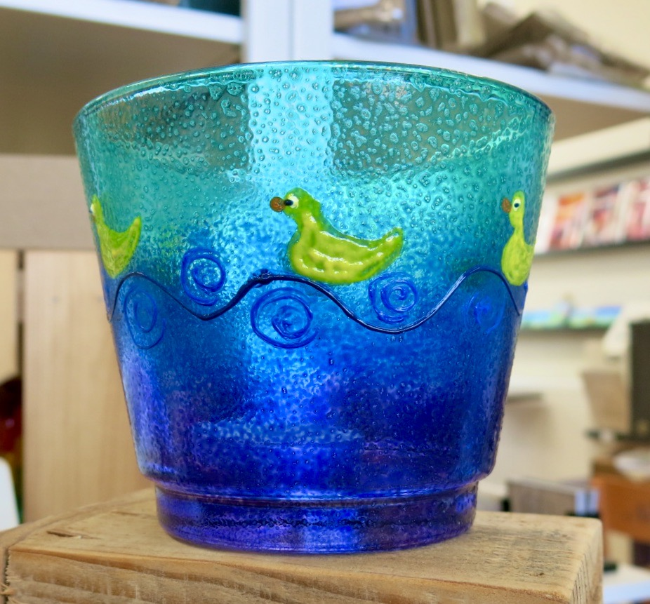 RUBBER DUCK DECORATED GLASS