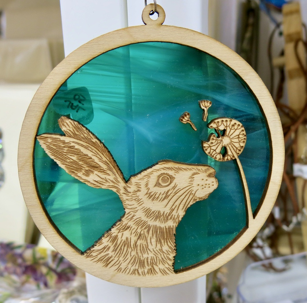 WOODEN HARE AND DANDELION HANGER WITH GLASS