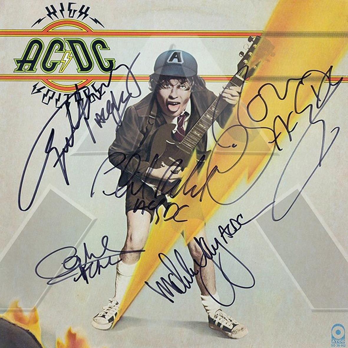 AC/DC ★ High Voltage (vinyl album EU signed)