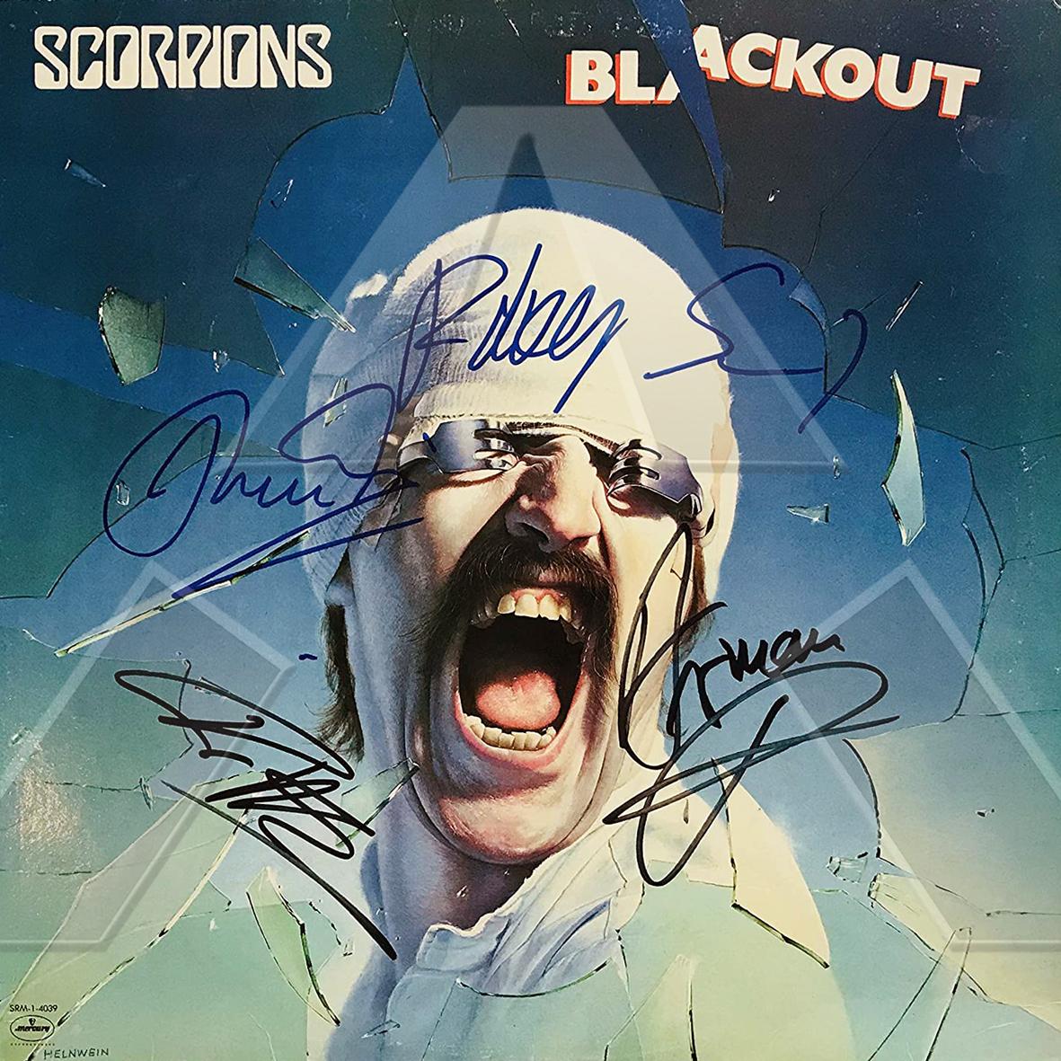 Scorpions ★ Blackout (vinyl album EU SRM14039 signed)