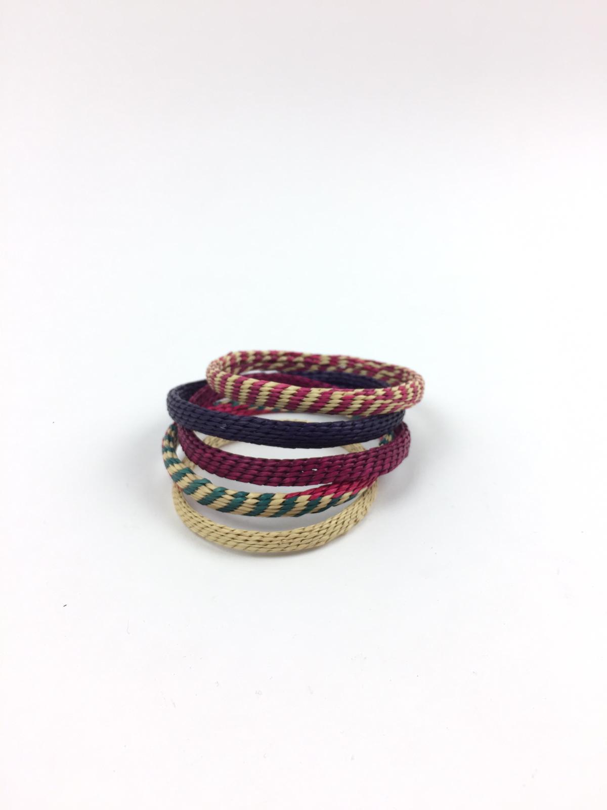 Armband av Gräs