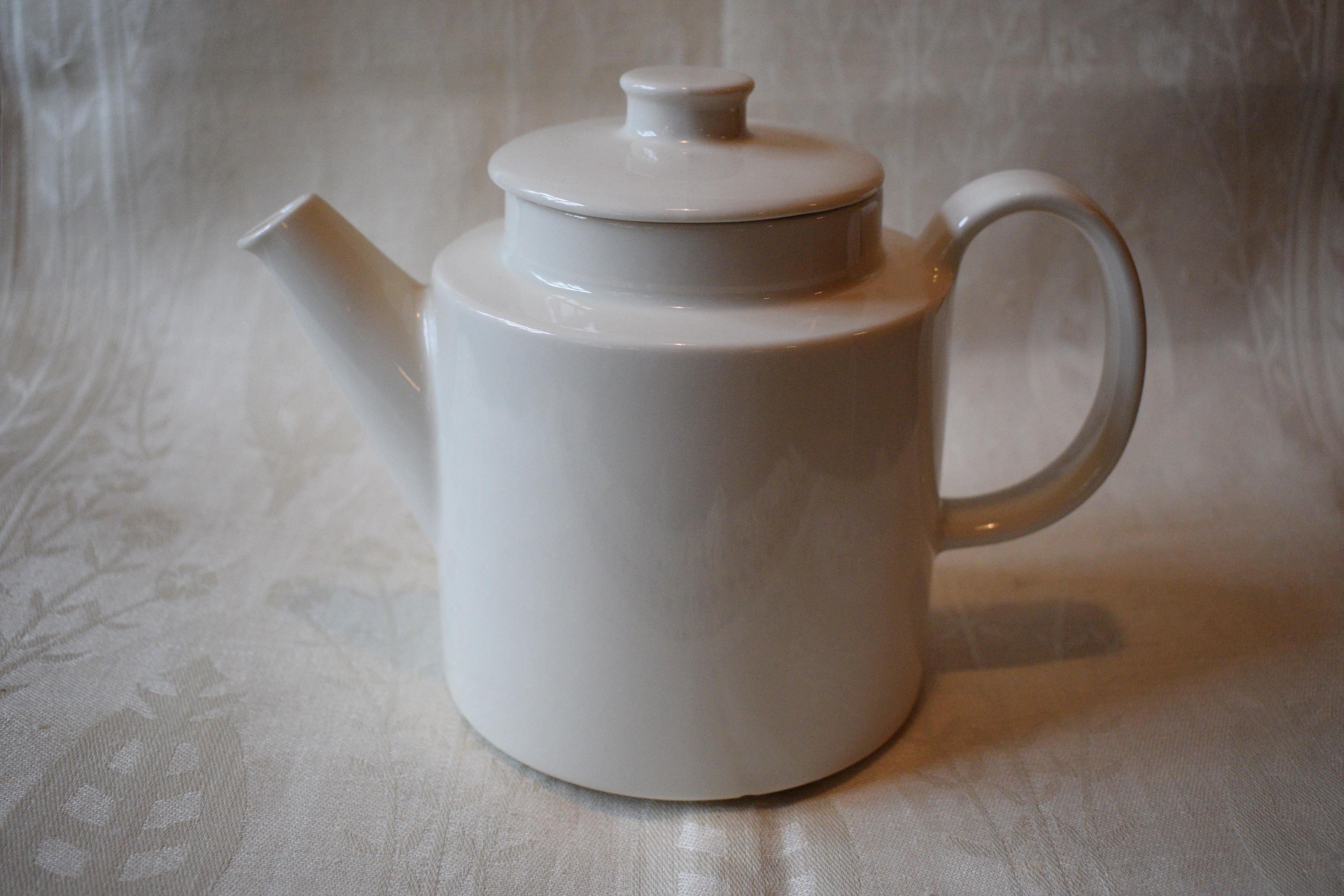 Arabia Teema valkoinen teekannu