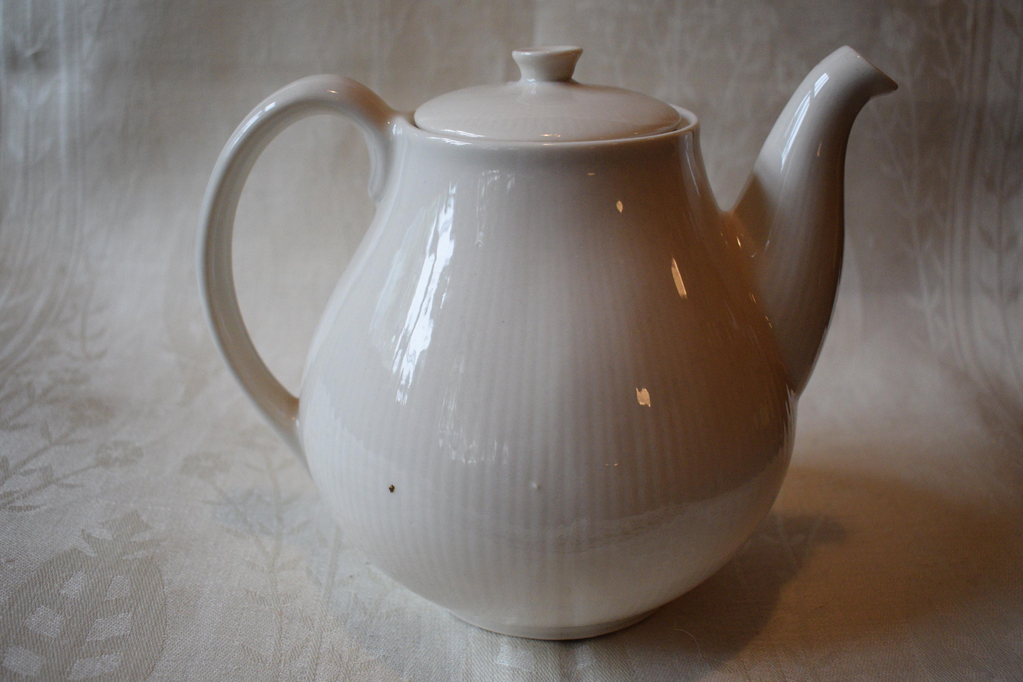 Arabia Sointu kahvikannu valkoinen