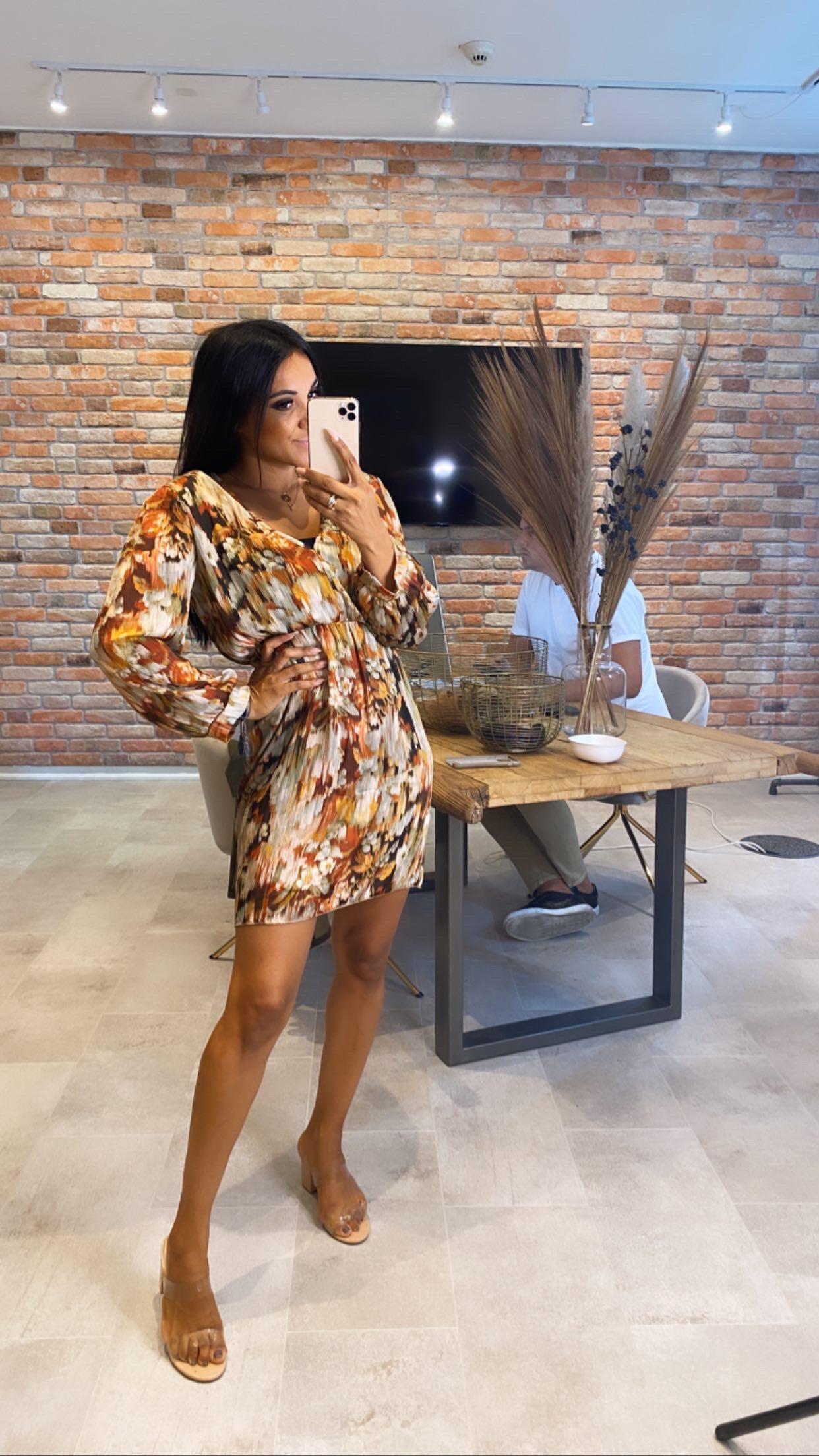 Kleid Muster Schulterpolster