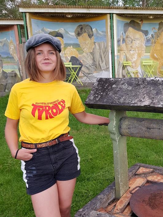 Tyrolen T-shirt gul med rött tryck