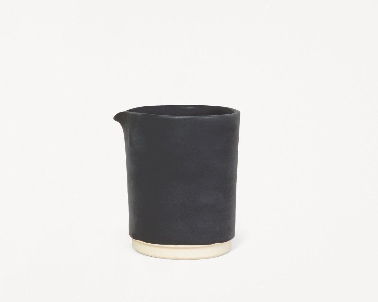 Frama Otto jug (M) Black