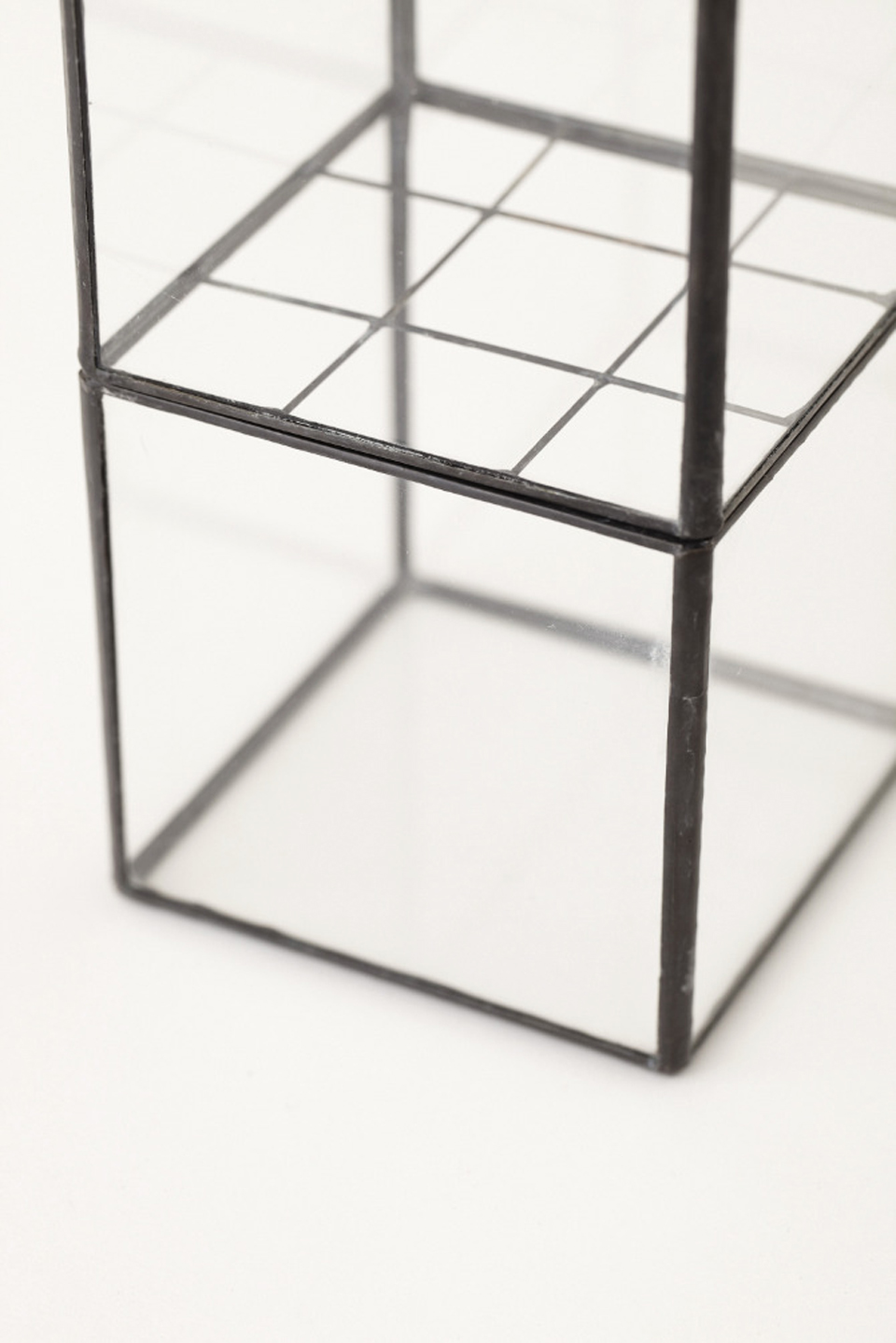 10¹² Terra Hydro Vase