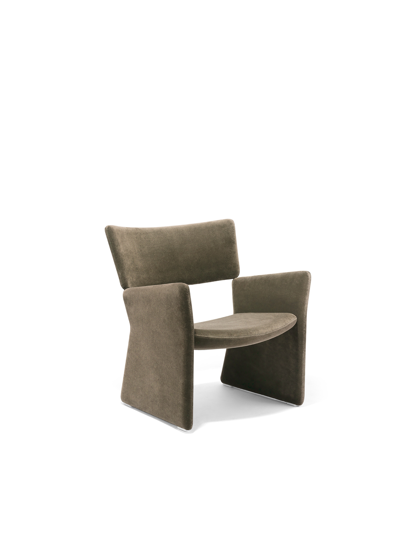 Massproductions Crown easy chair