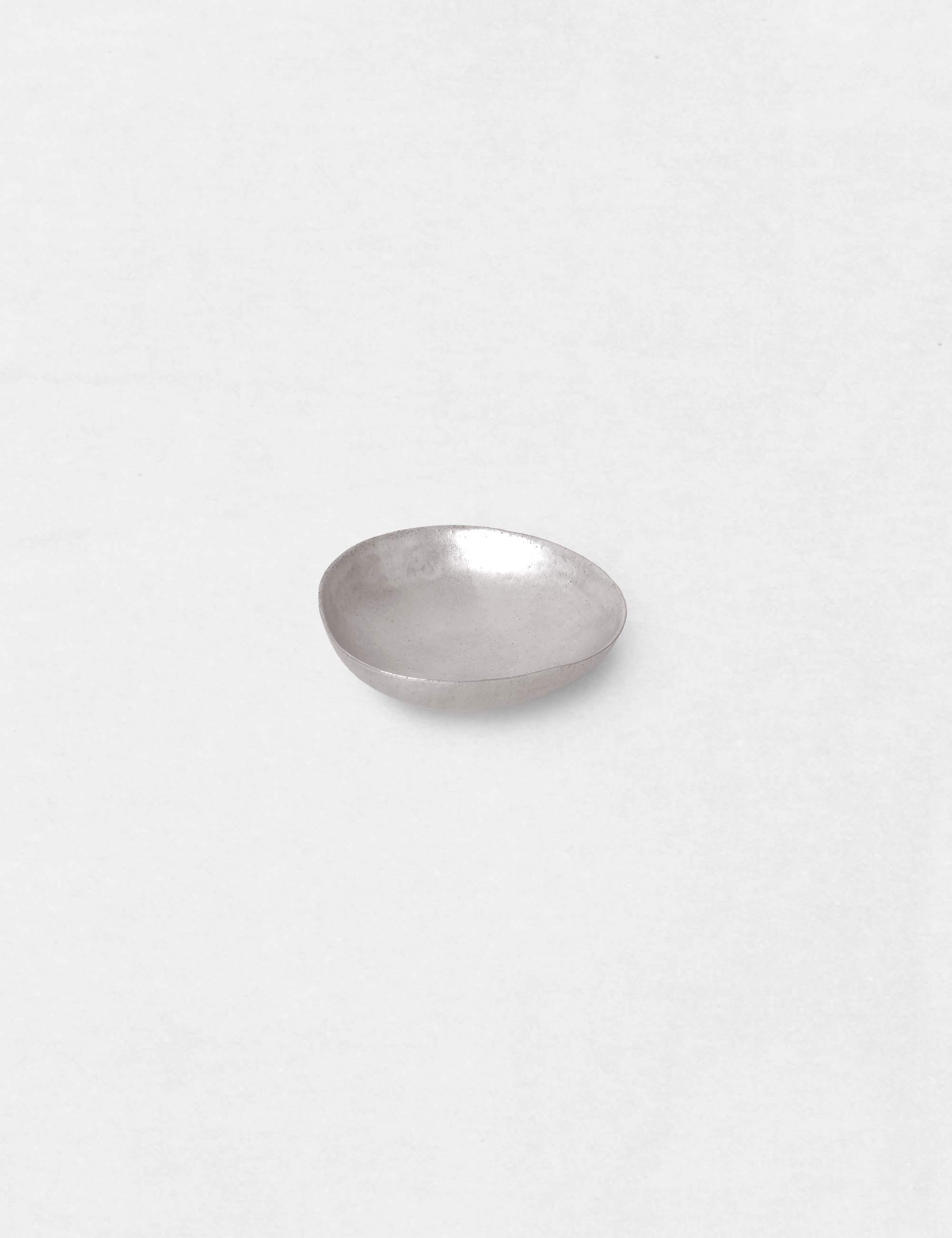 Jurgen Lehl Ceramic plate with Silver Glaze / Babaghuri