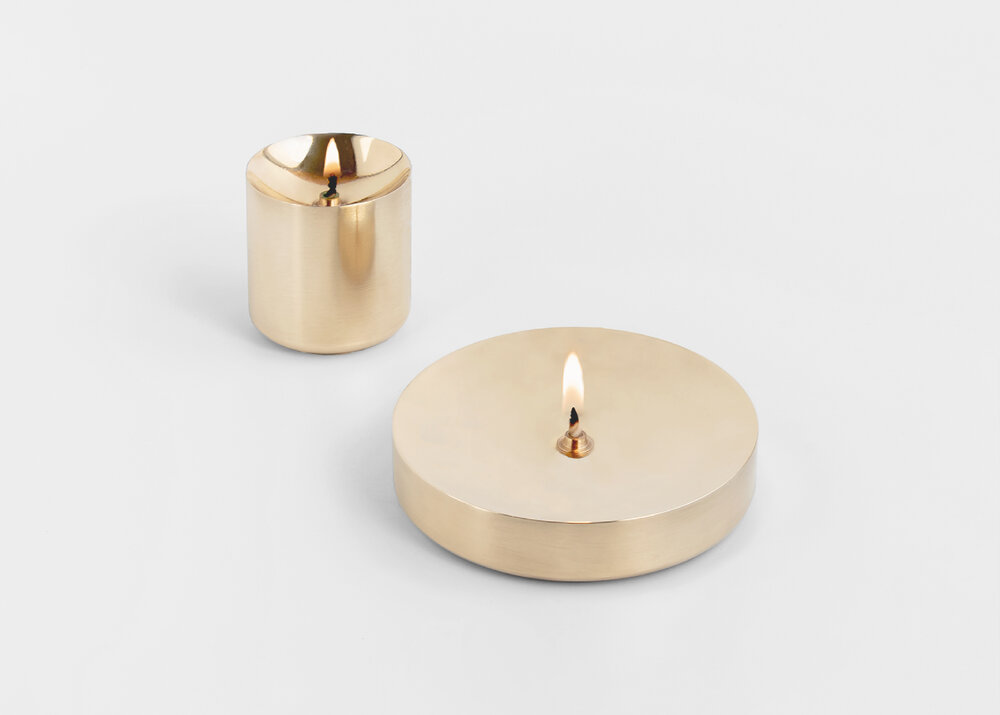 Casegoods Dīpā  oil lamps / brass