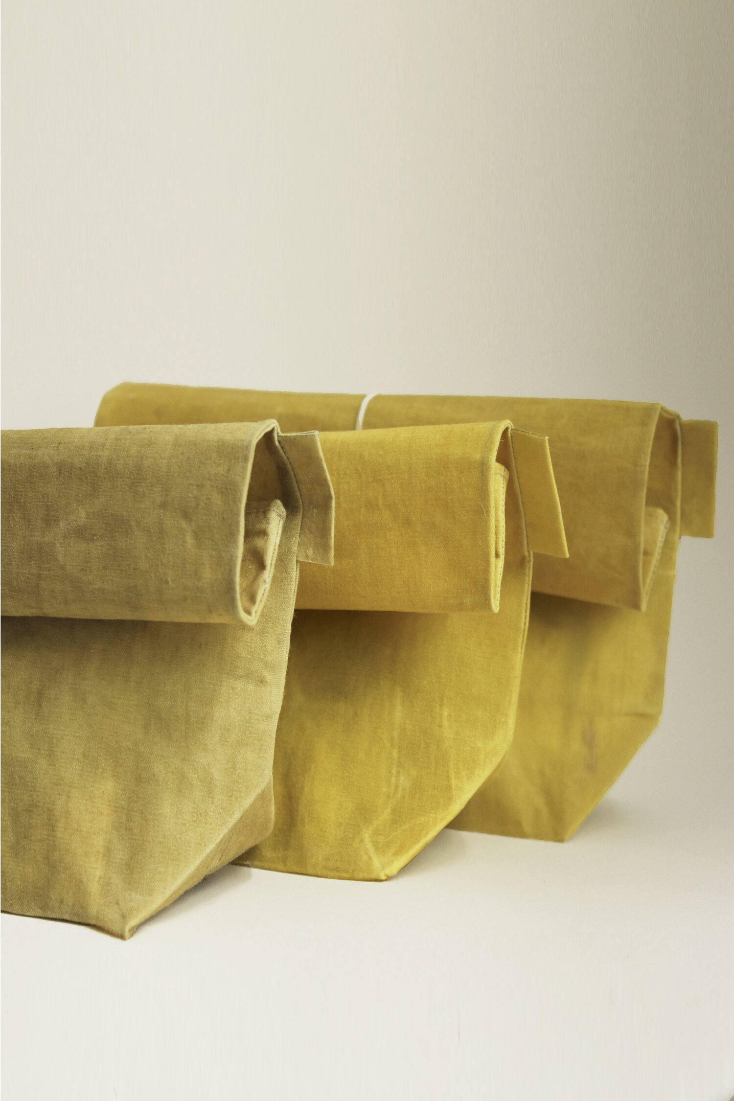 Wax Atelier / Waxed Linen Roll-top Bag / Colourway 01