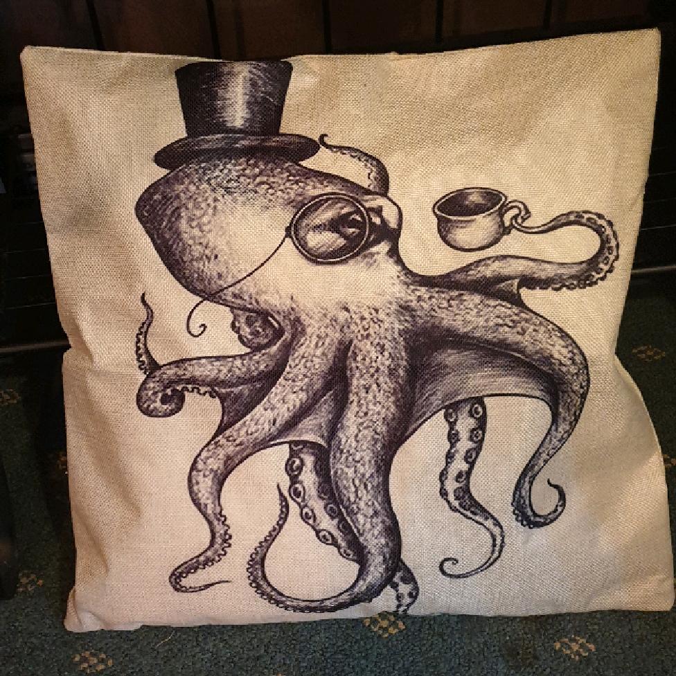 Cushion cover - Gentleman octopus