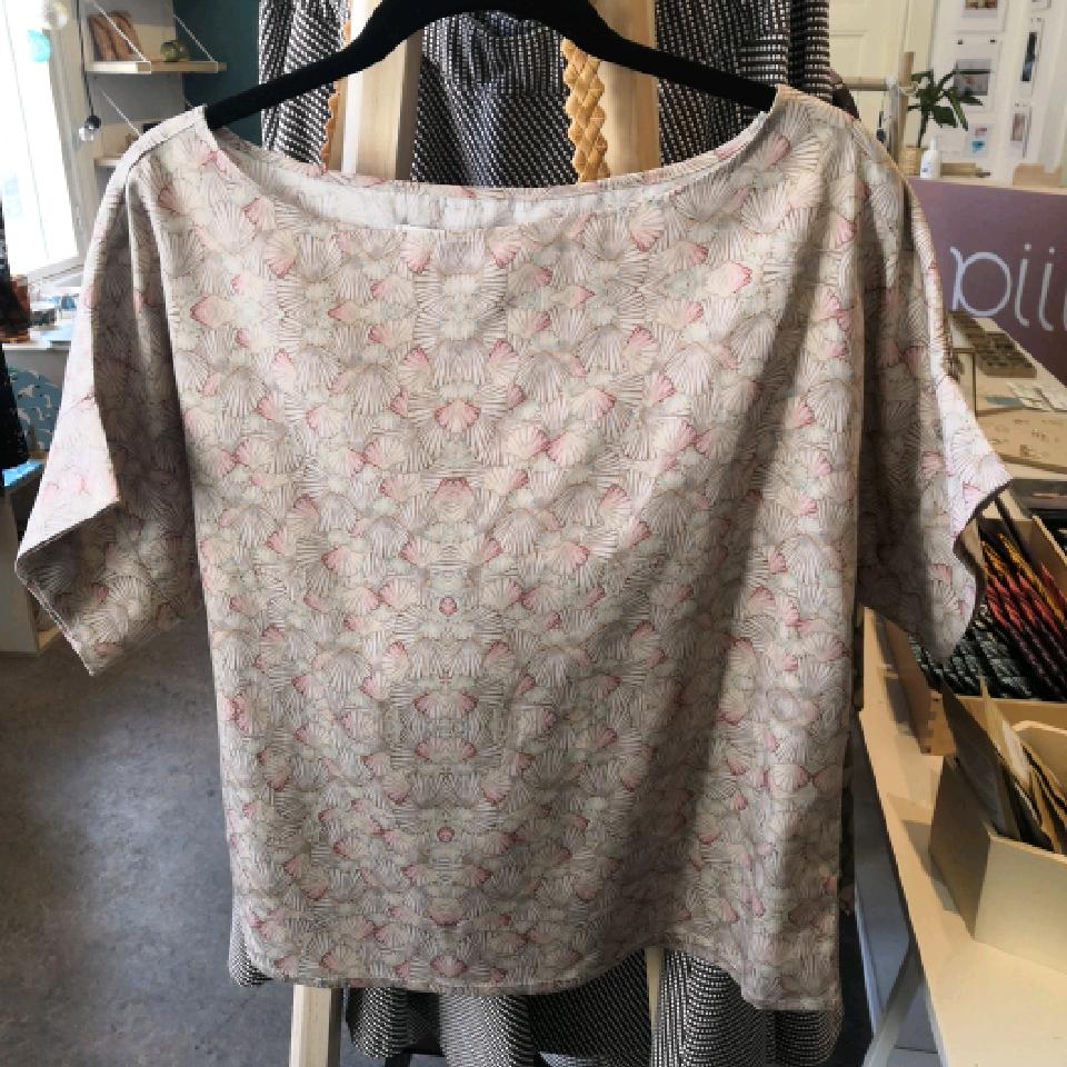Lissu t-paita (simpukka-kuvio) - Mukava