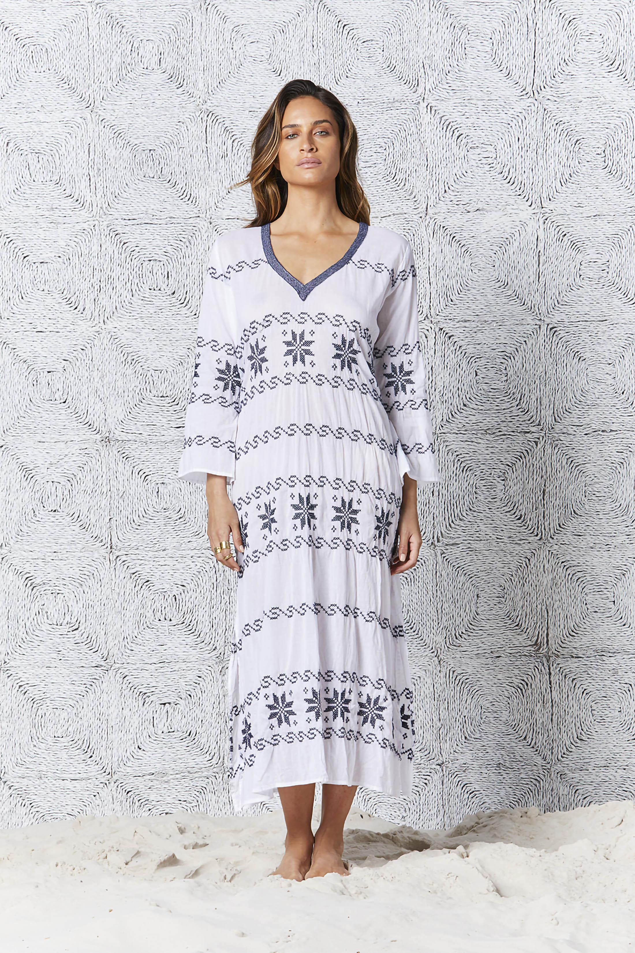 One Season Arabella - White/Navy Embroidery