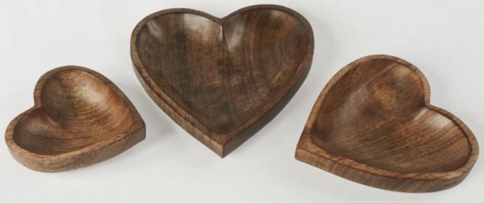 Mango wood heart shaped tray