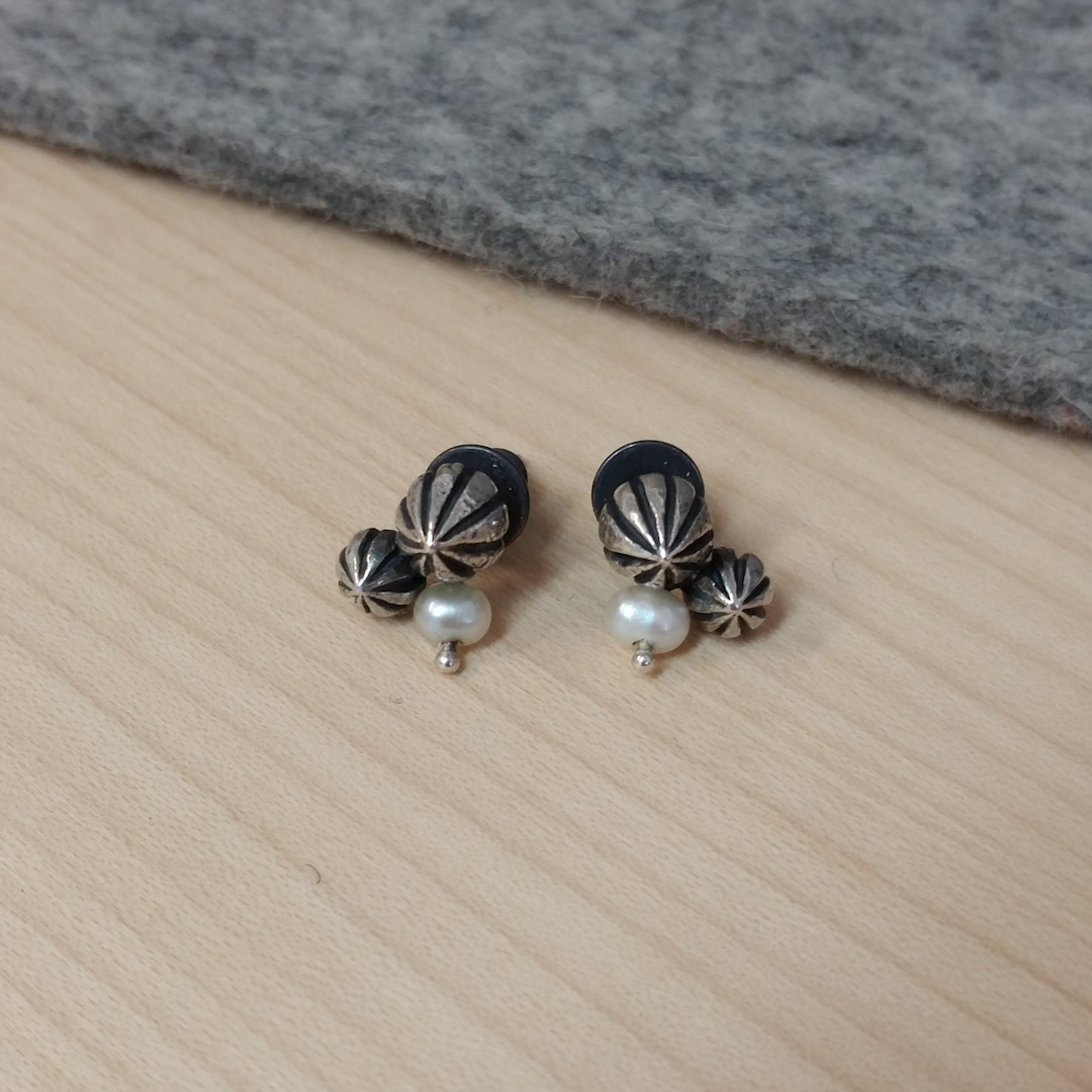 Tiny Pod Cluster Studs: pearls