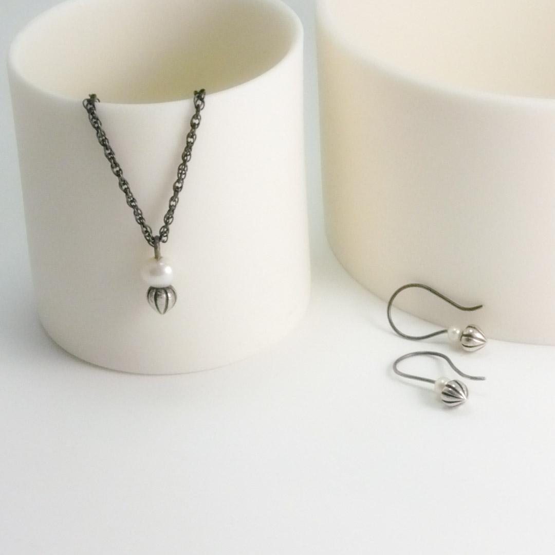 Tiny Pod Hook Earrings: white pearl.