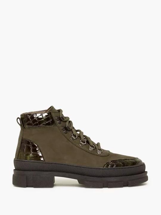 Skor, Gestuz, VandoGZ Boots