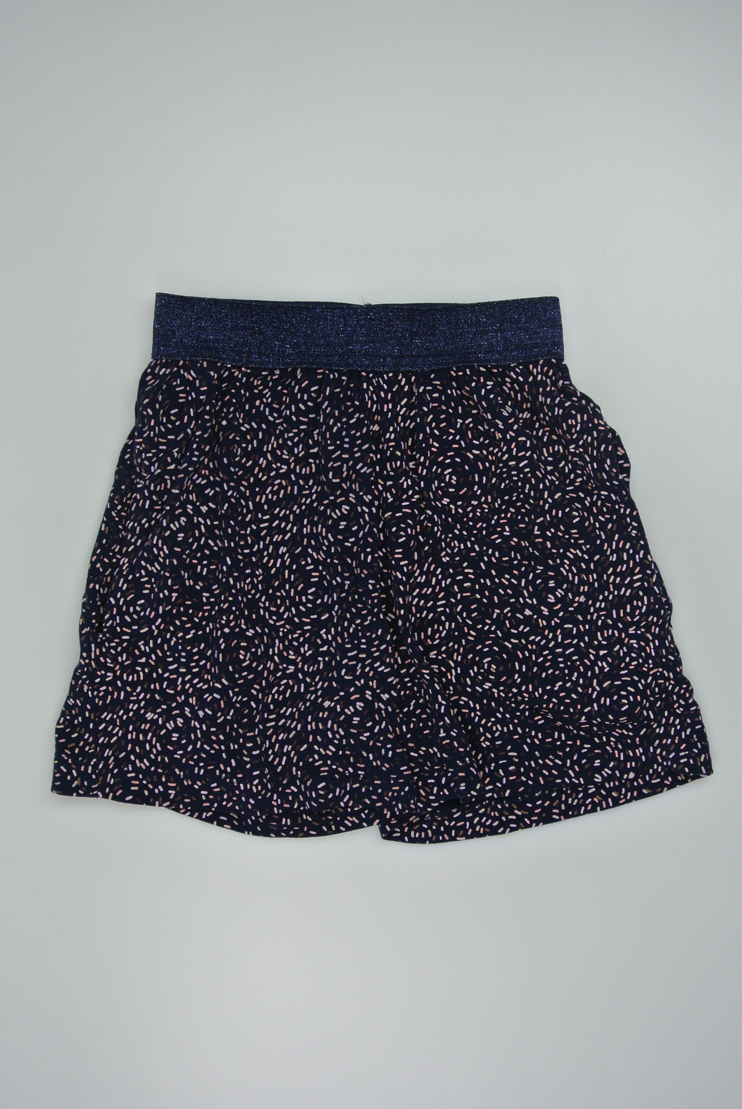 The New shorts str 122/128 pige