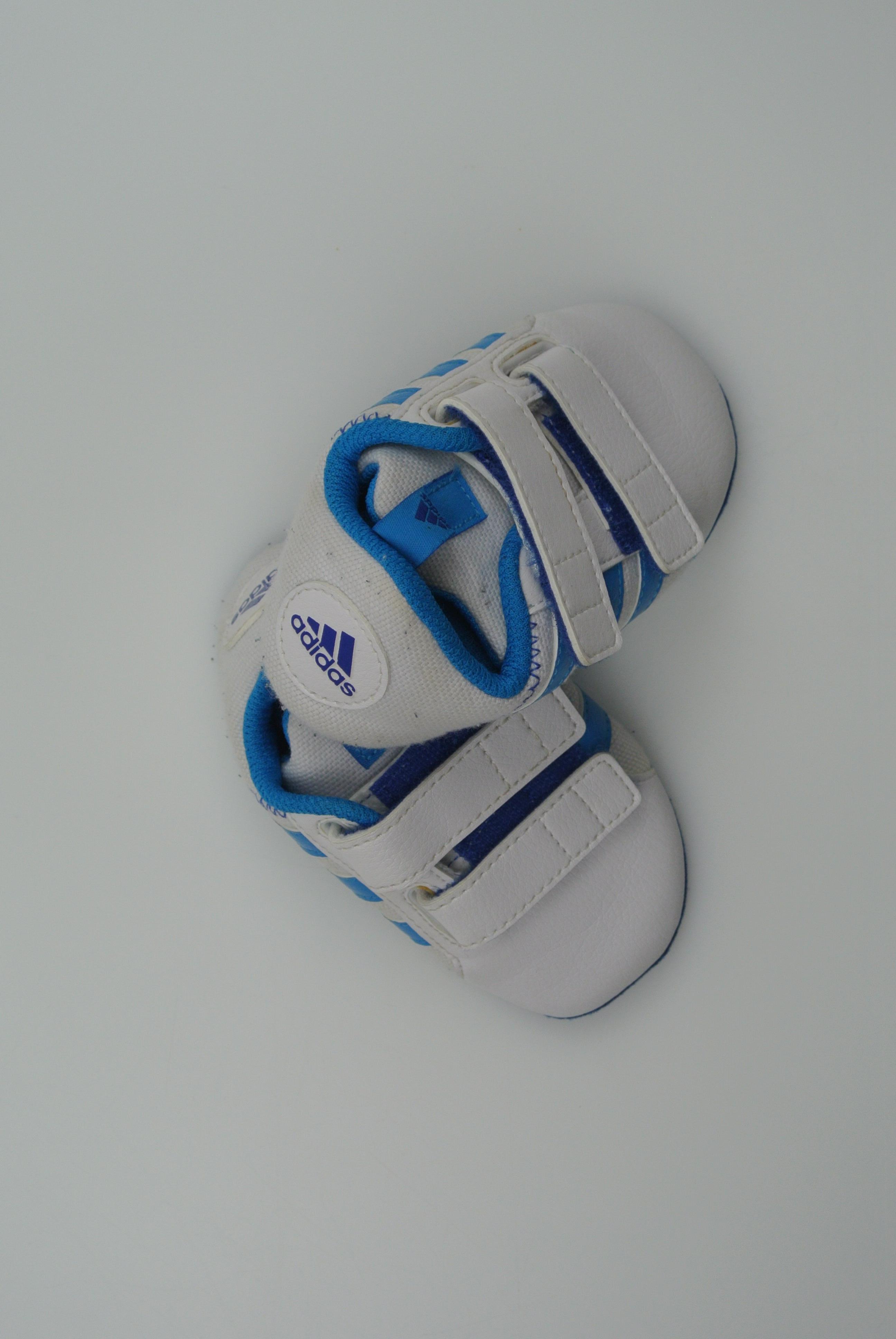 Adidas sko str 19