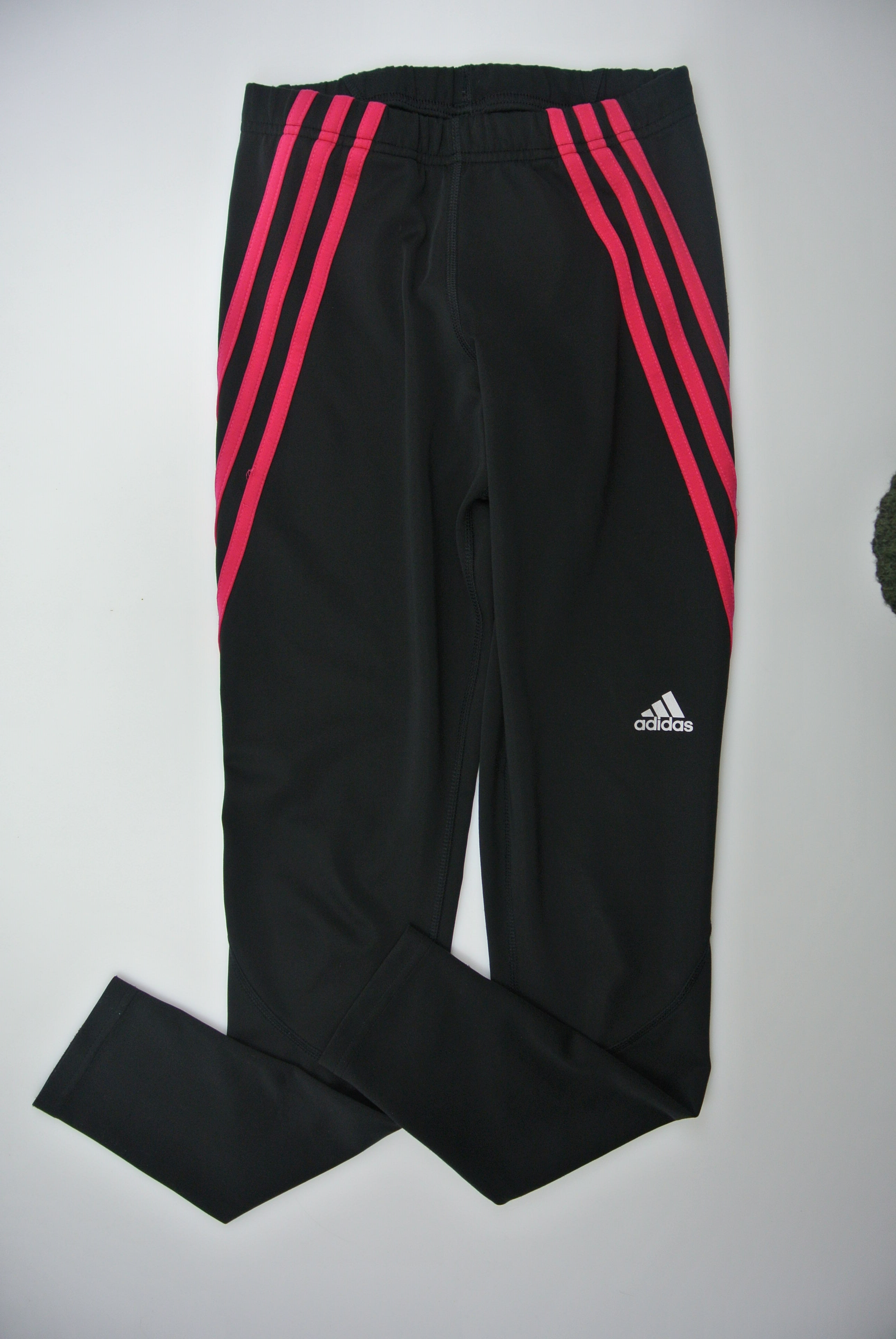 Adidas bukser str 152 pige