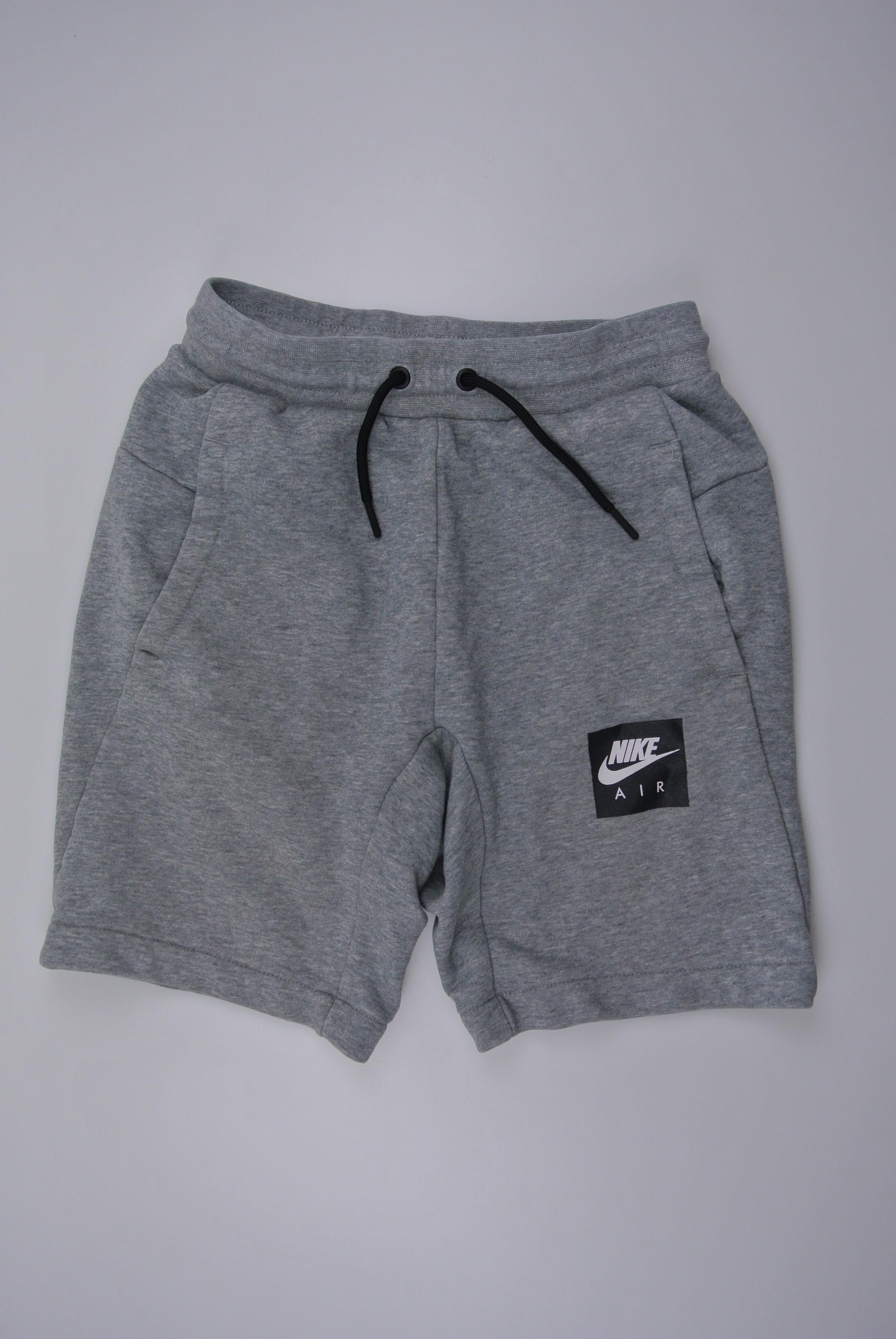 Nike shorts str 140 dreng 137/147