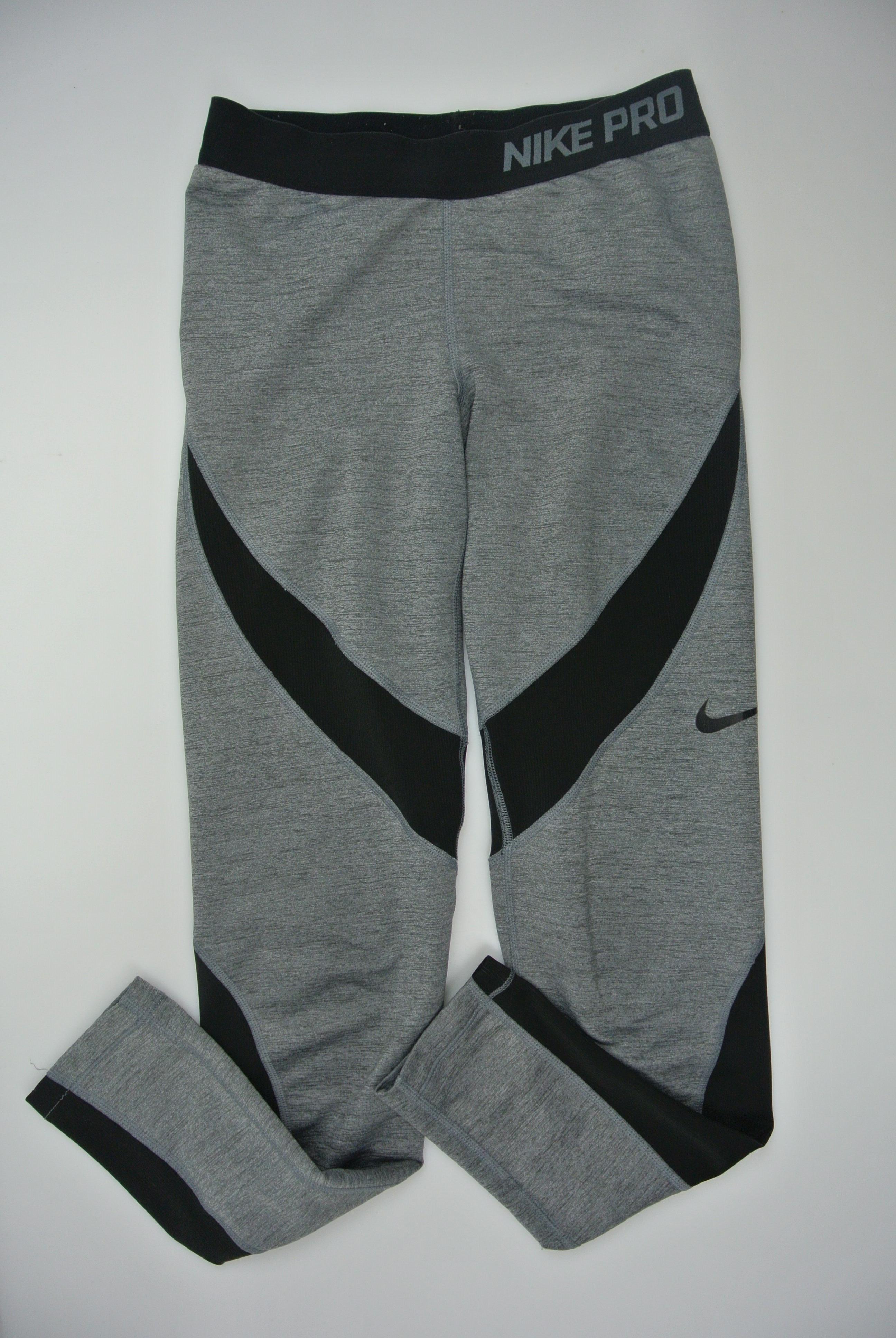 Nike bukser str 146/158 pige