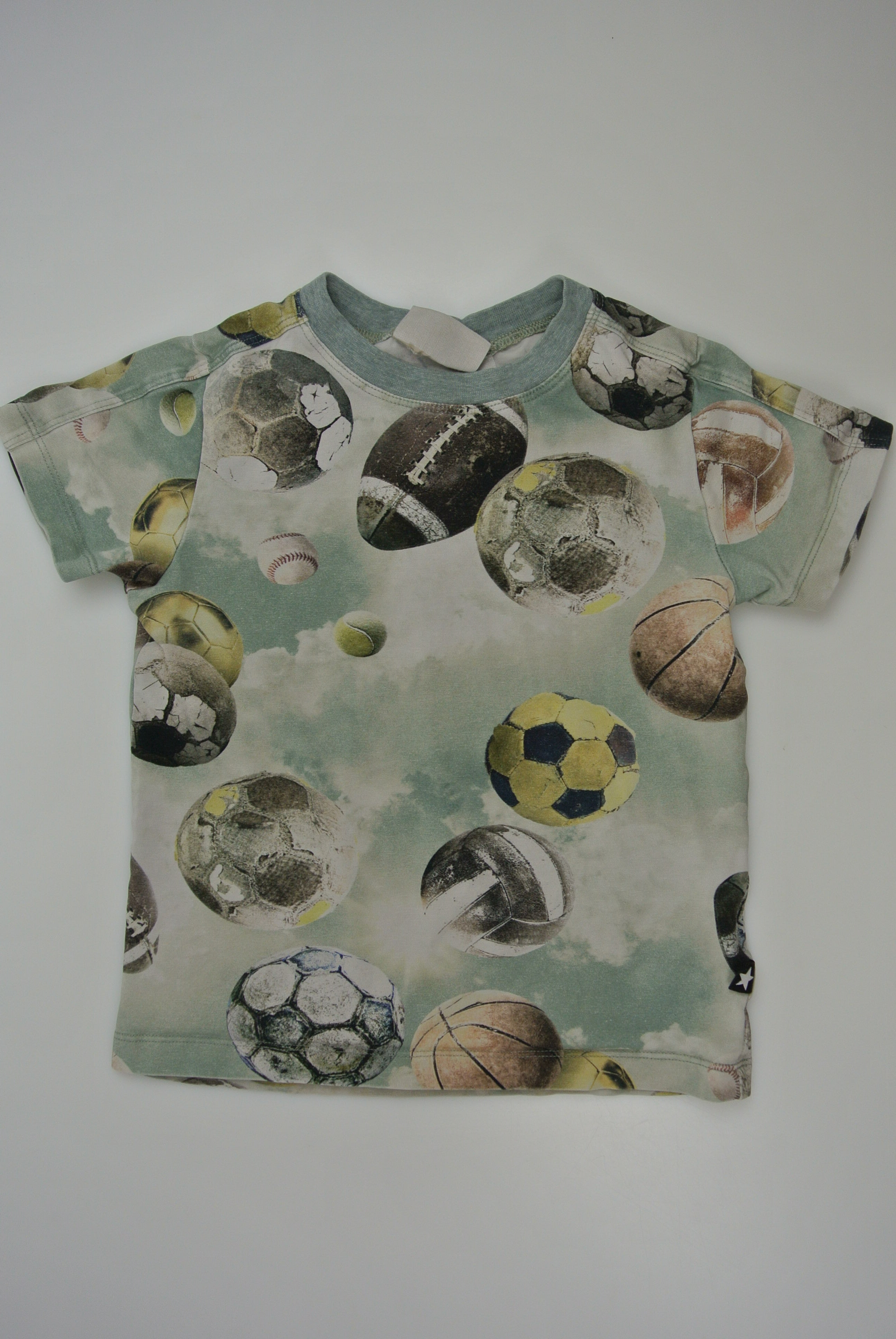 Molo t-shirt str 104 dreng
