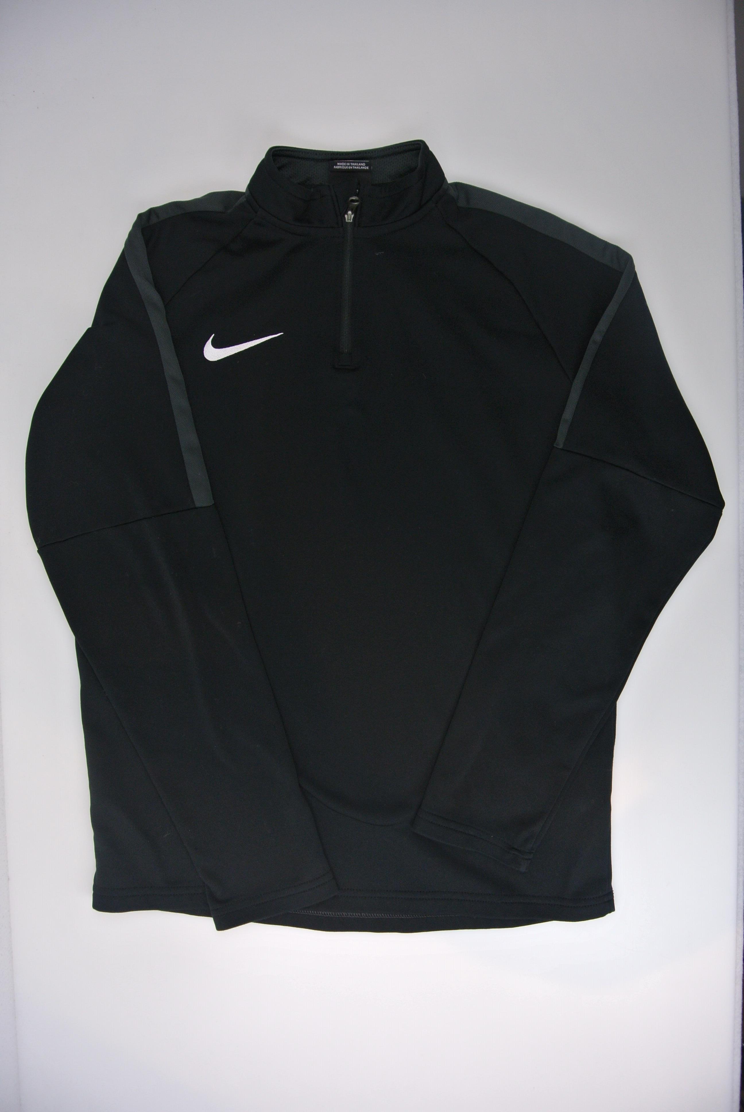 Nike trøje str 146 dreng 147-158