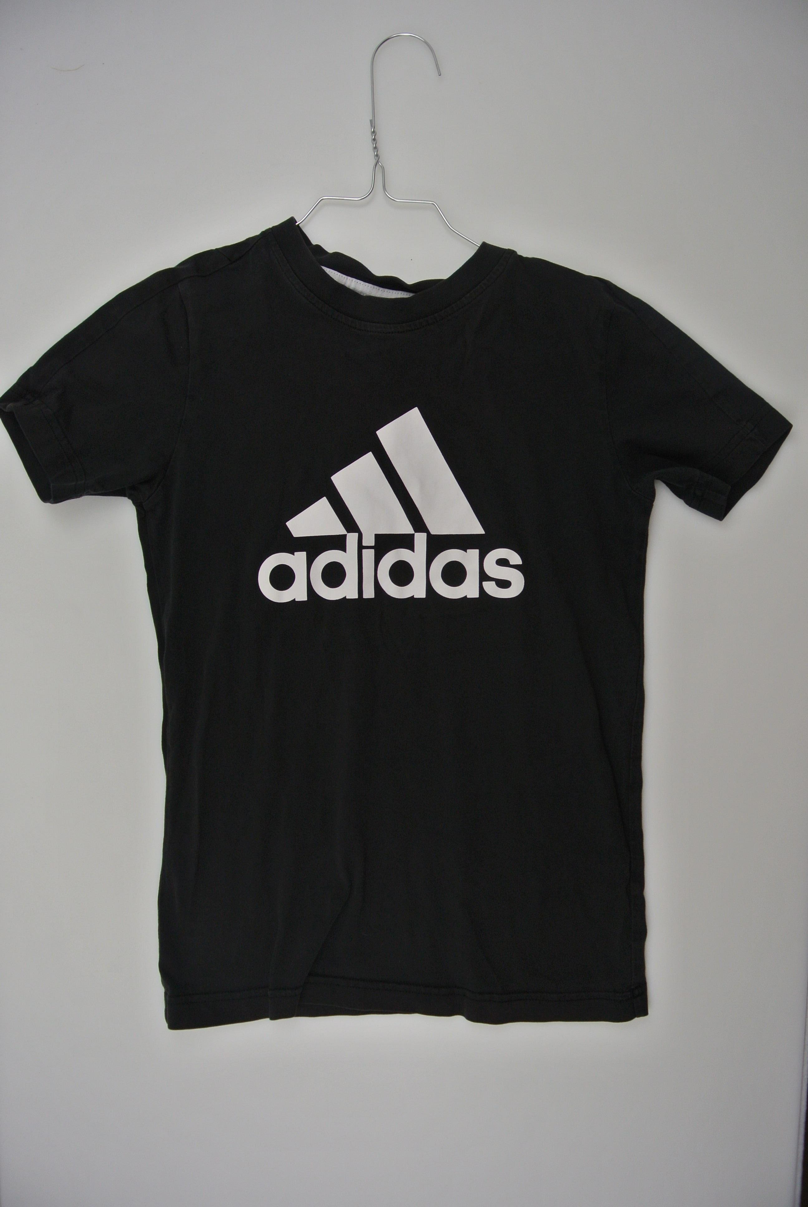 Adidas t-shirt str 134 dreng