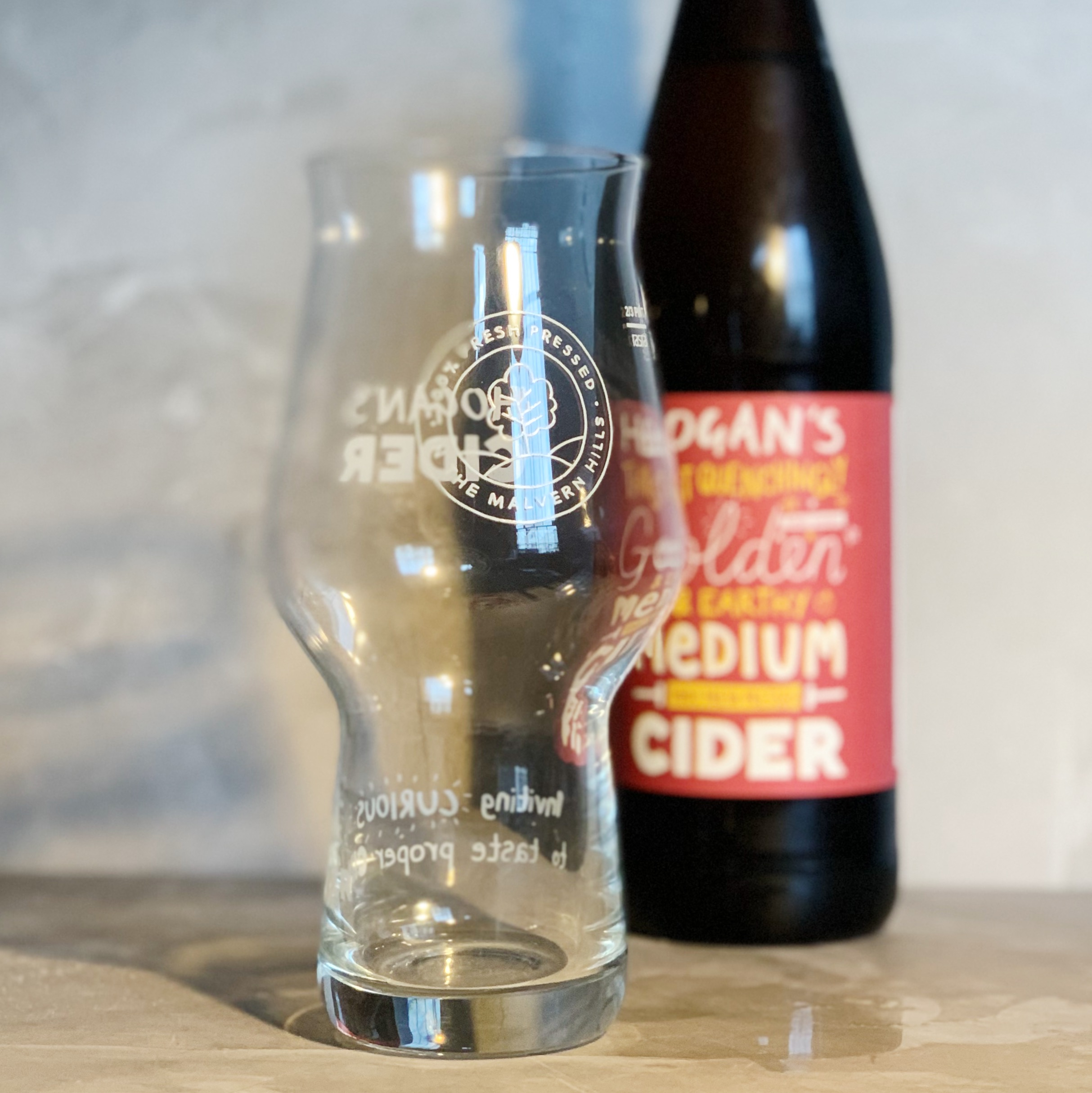 HOGAN'S CIDER GLASS